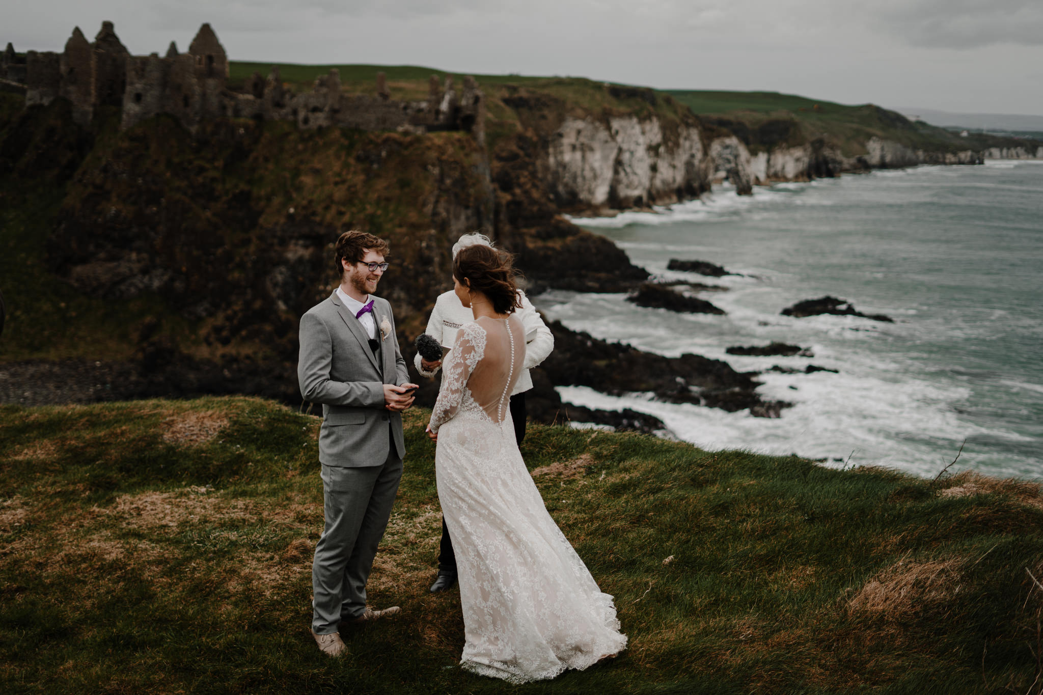 dunluce-castle-giants-causeway-adventure-elopement-M+S-141.jpg