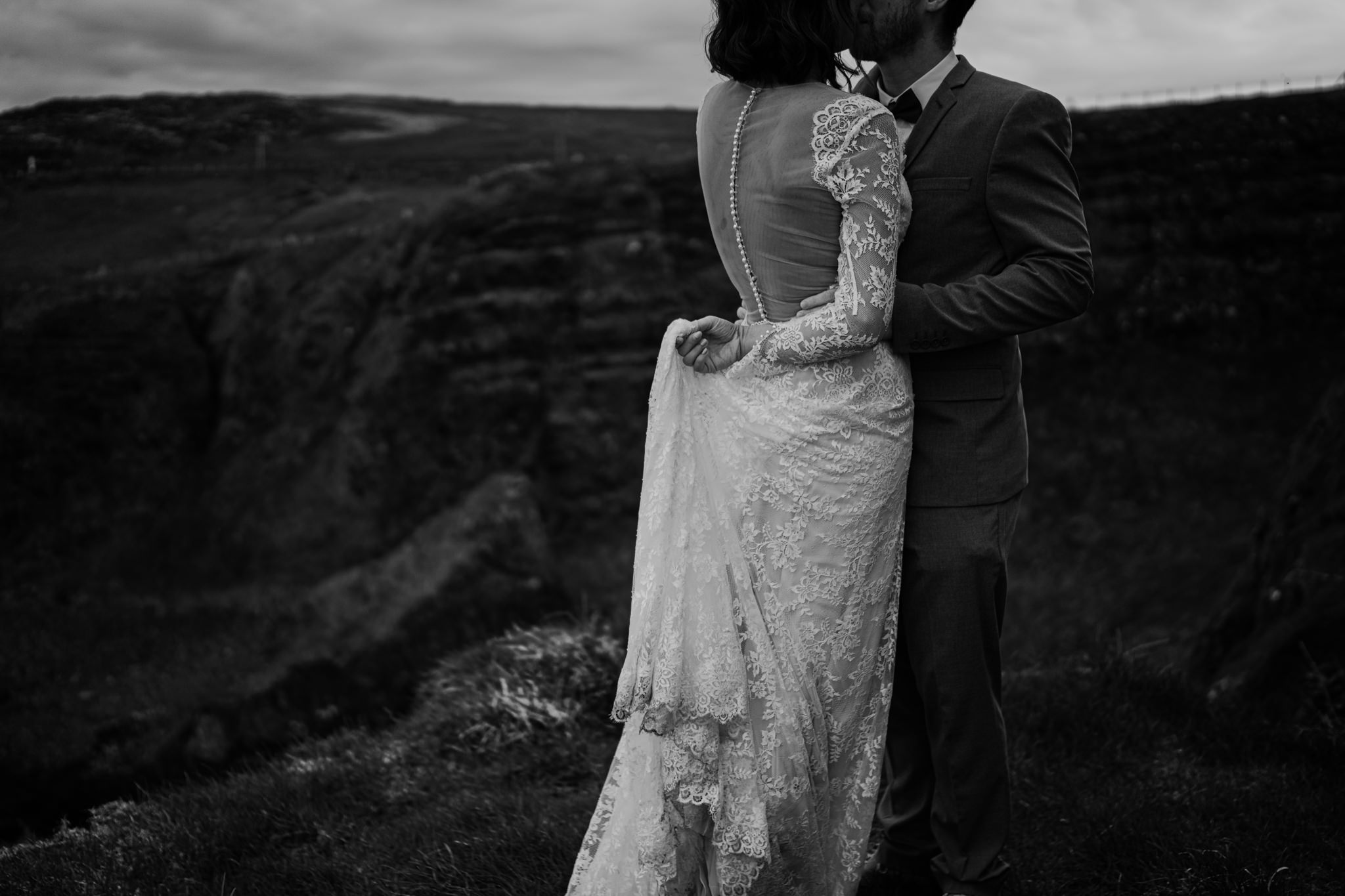 dunluce-castle-giants-causeway-adventure-elopement-M+S-111.jpg
