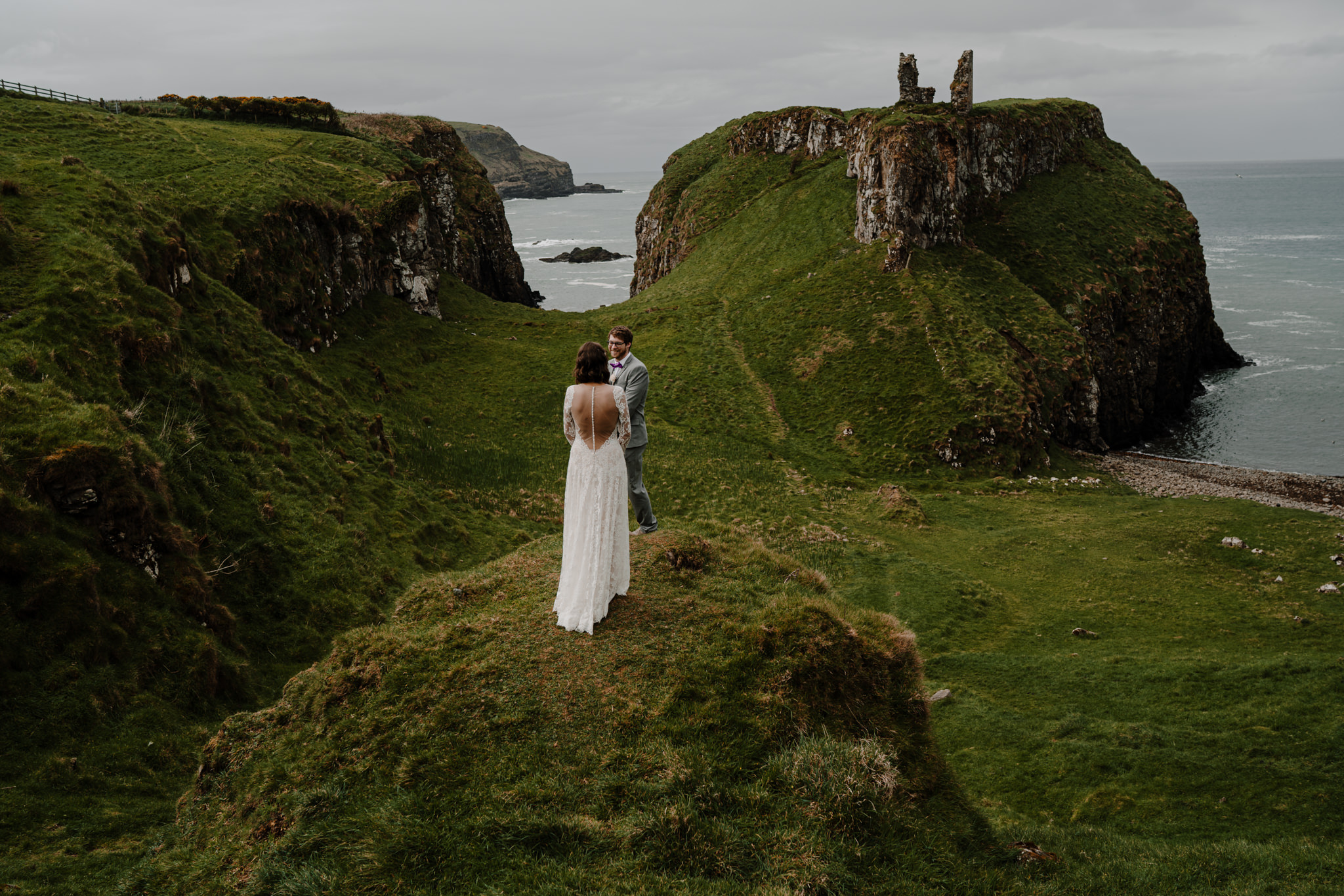 dunluce-castle-giants-causeway-adventure-elopement-M+S-57.jpg