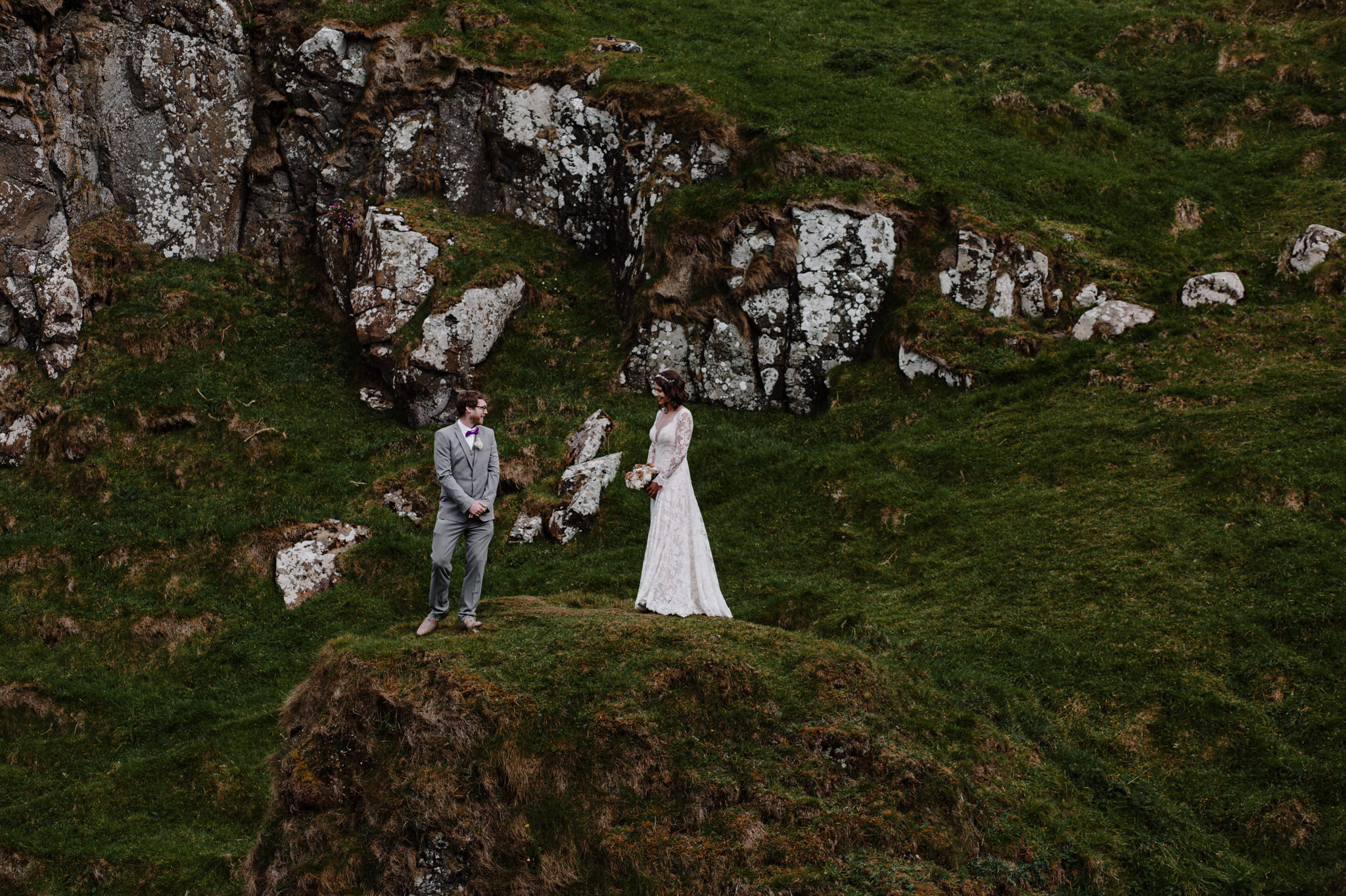 dunluce-castle-giants-causeway-adventure-elopement-M+S-54.jpg