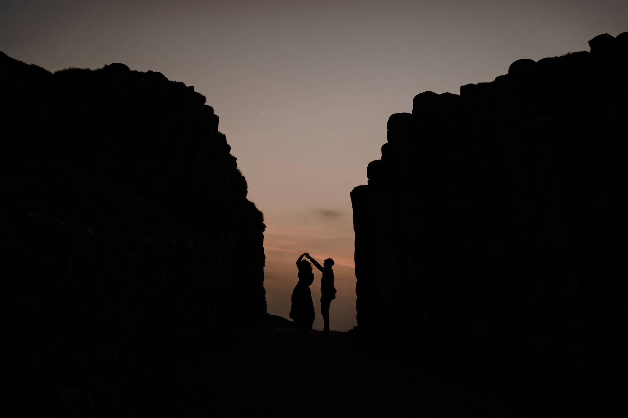 beautiful places to elope in Ireland The giants Causeway