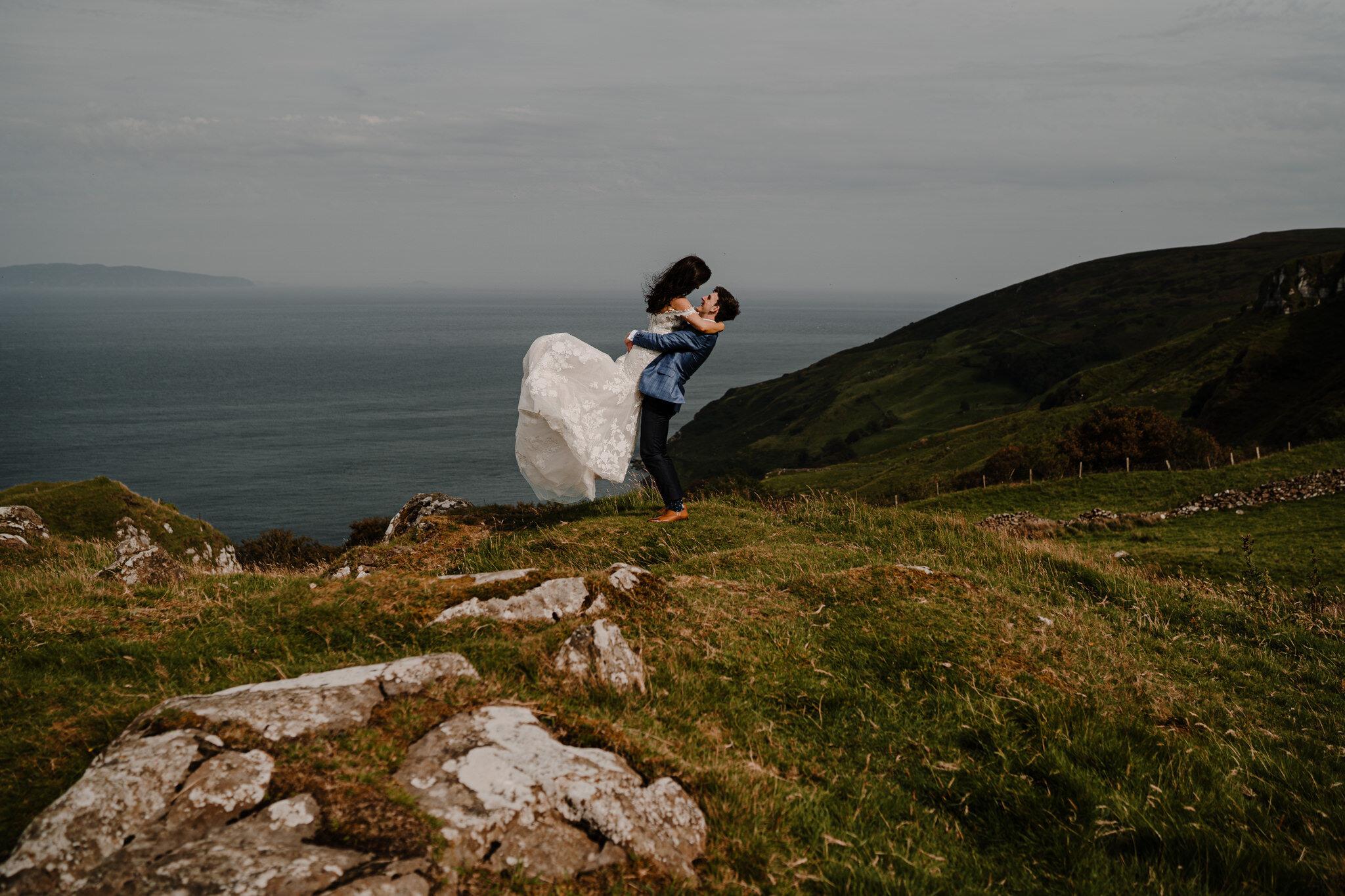 romantic couple notebook lift murlough bay