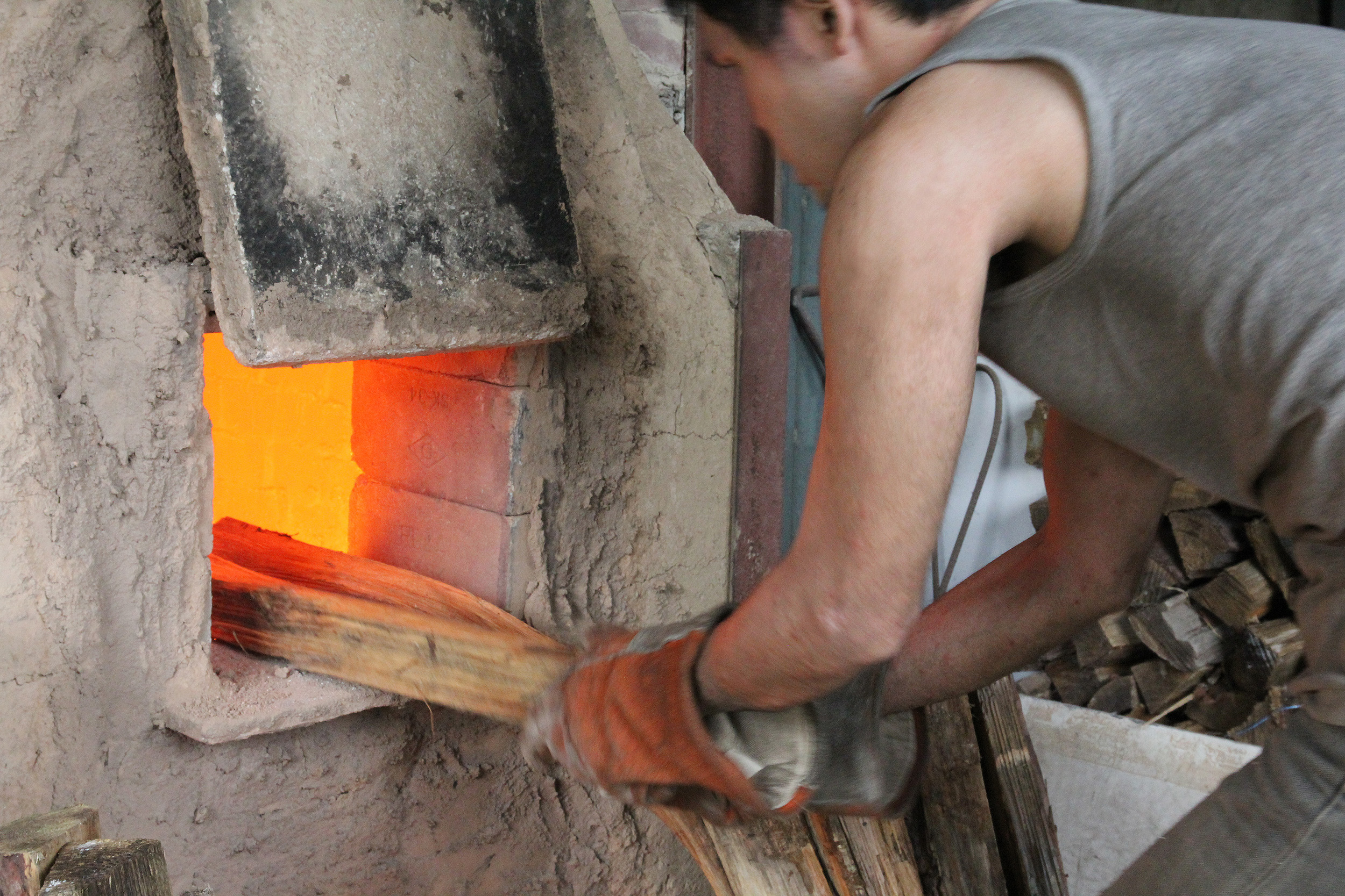Learn more about how Kiko Ando crafts the Asemi Artisan Bizen Cups - View the article