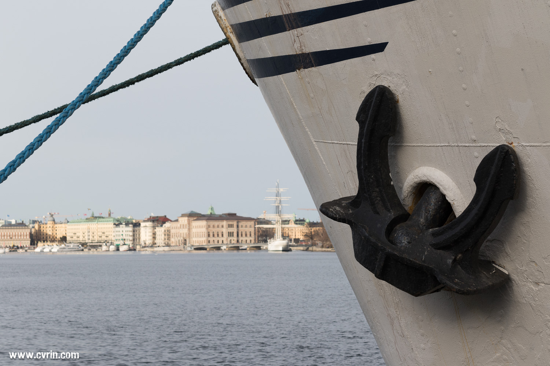 Un magnifique bateau était à quai à côté du Fotografiska.