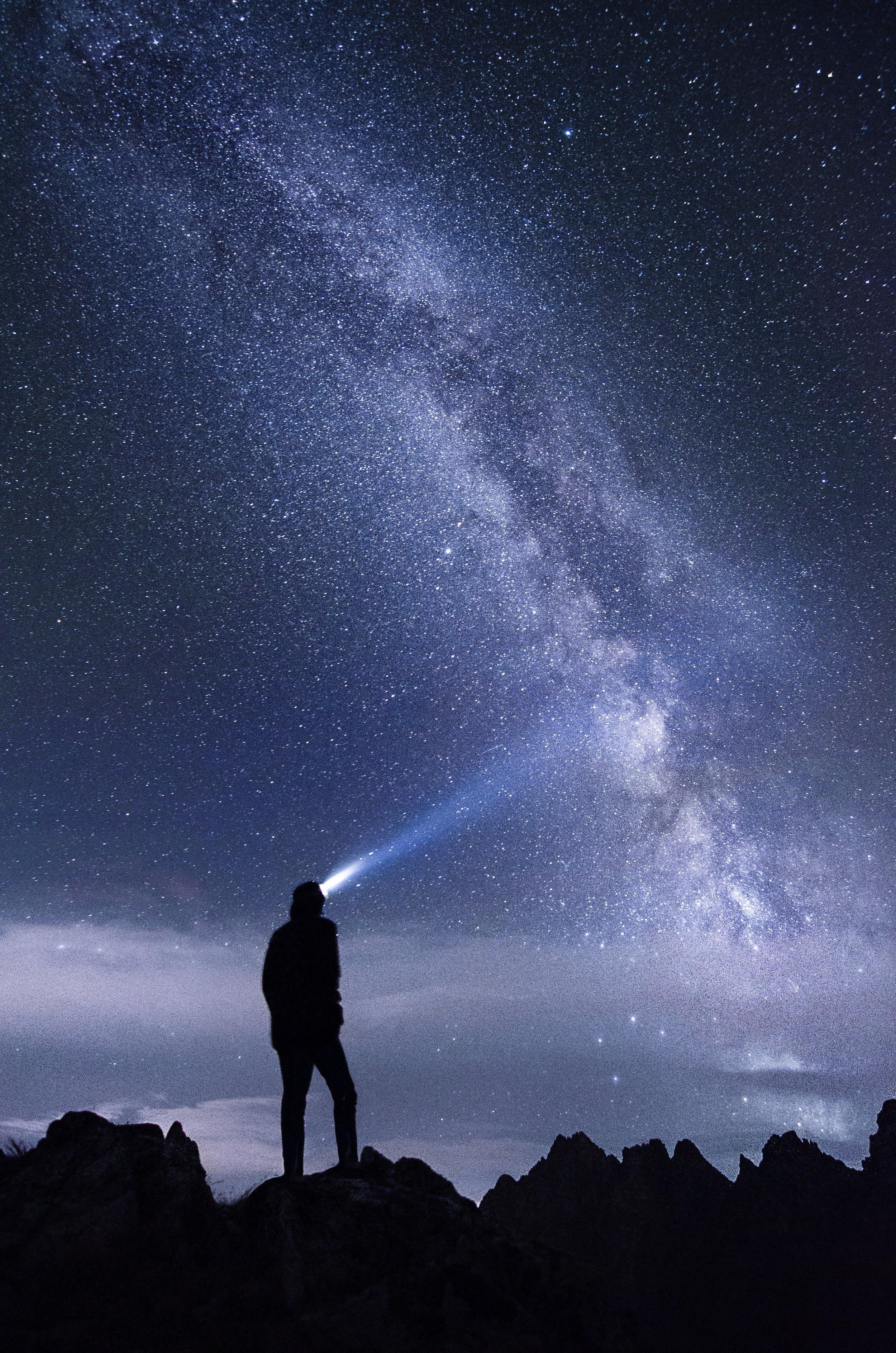 Night sky with Seeker stefan-stefancik-106115-unsplash.jpg