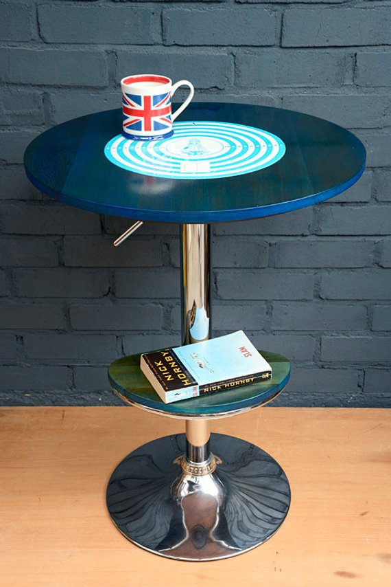 Two tier round table 1.jpg