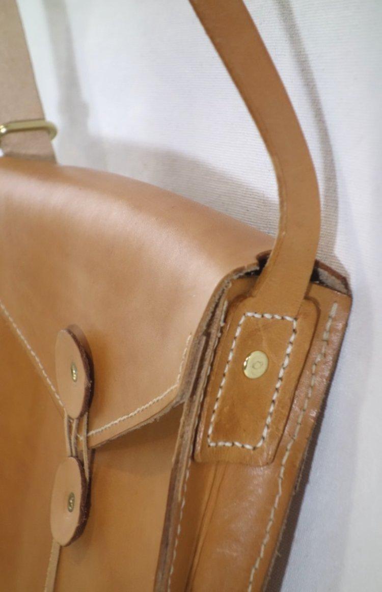 T&CMouse Manila bag #1 detail2.jpg