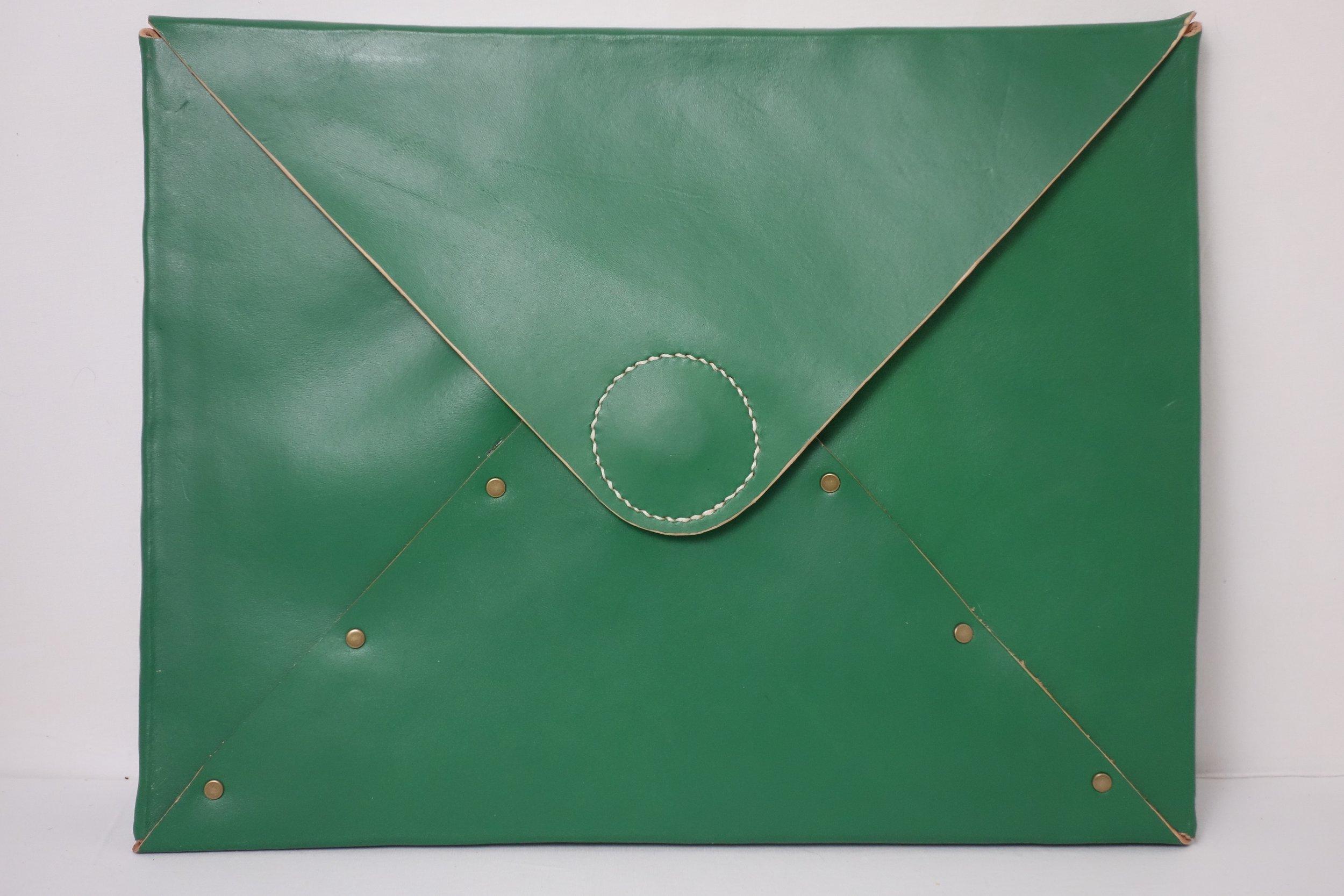 T&C Mouse-green-folder1.jpg