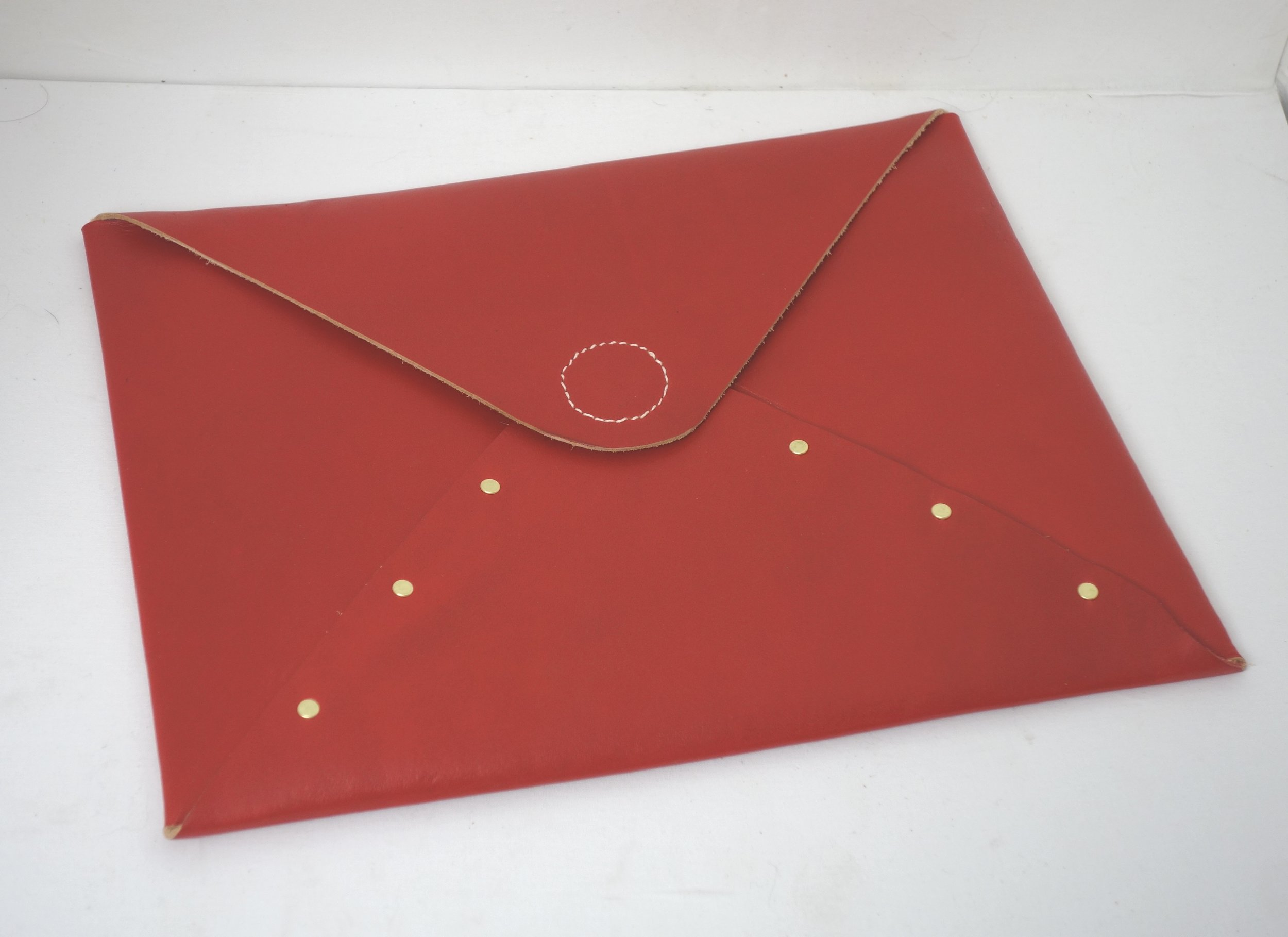 T&C Mouse-red-folder1.jpg