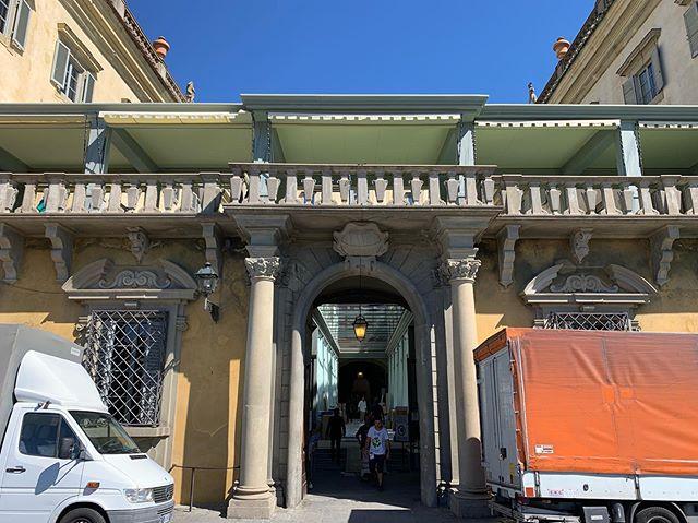 Florence. Late summer sun. Biennale set up. Art, within art, within art. @biennalefirenze coming soon... • @palazzocorsini #palazzocorsini #firenze #florence #biennaledellantiquariato #florencebiennale #art #oldmasters #artcollector #artfair #biennaledifirenze
