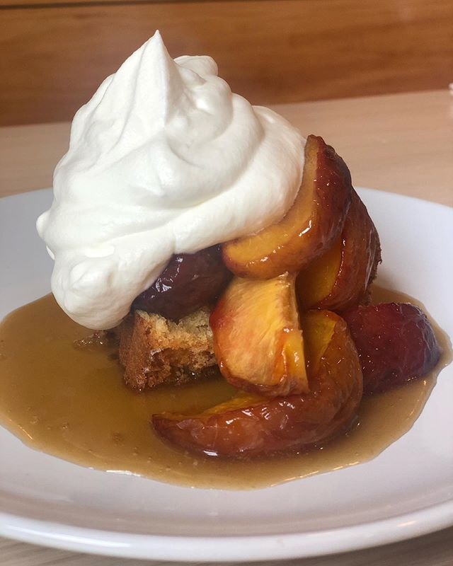 Brown butter pound cake/roasted peach/salty bourbon hard sauce/cream *available for dine-in customers only.  #latesummergreatsummer #maineeats #eatmaine #dessert #peach #thewaylifeshouldbe