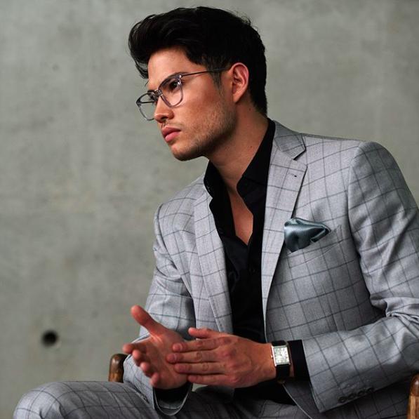 Surmesur grey windowpane suit.png