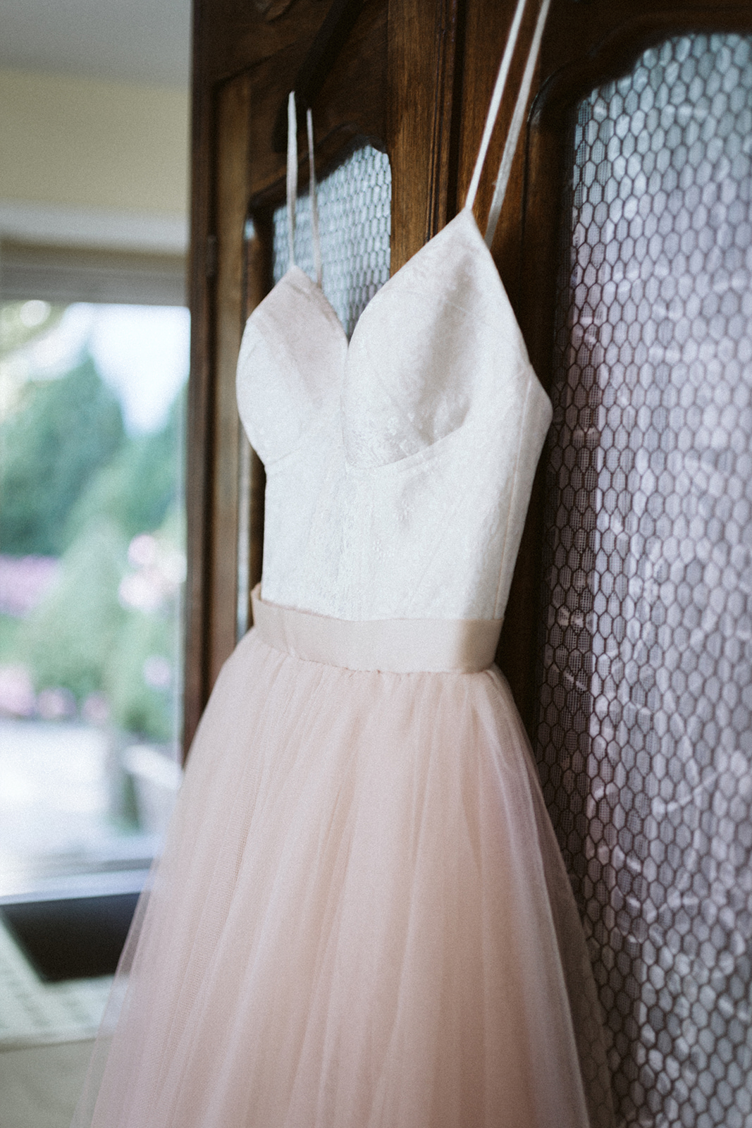 Ivory Tulle Wedding Gown Chicago Wedding lisa kathan photography