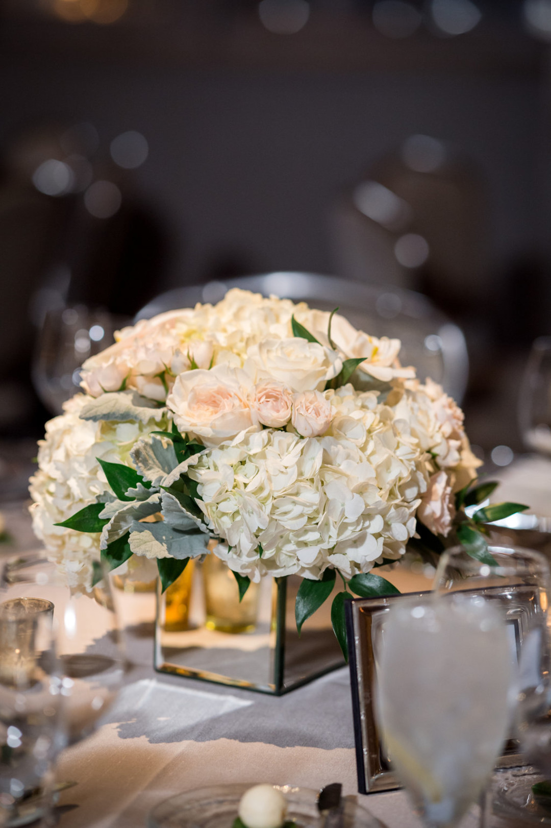 White Rose Center Pieces The Standard Room Chicago Wedding Julia Franzosa Photography