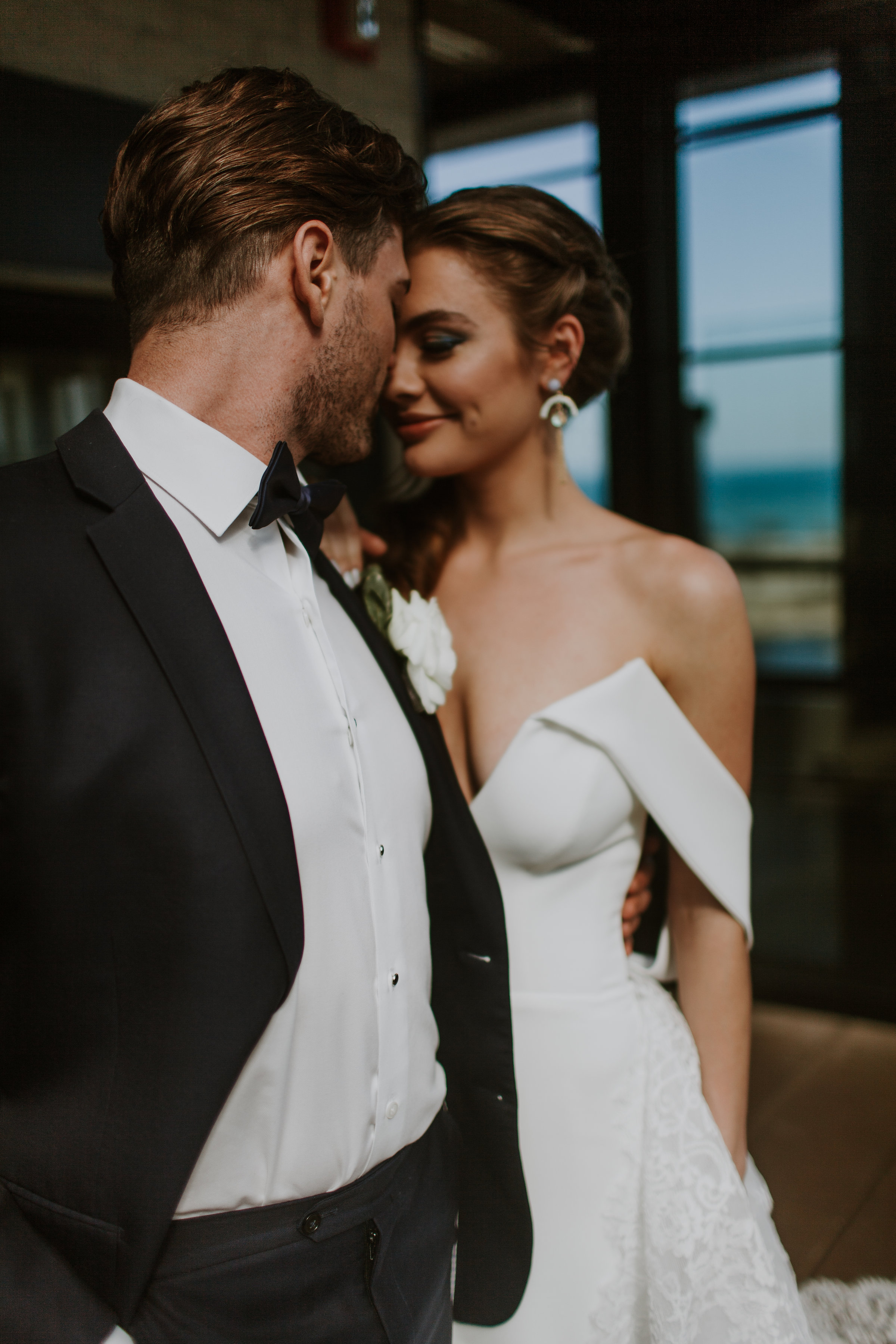 Bride and Groom Portrait Chicago Wedding Gabrielle Daylor Photography