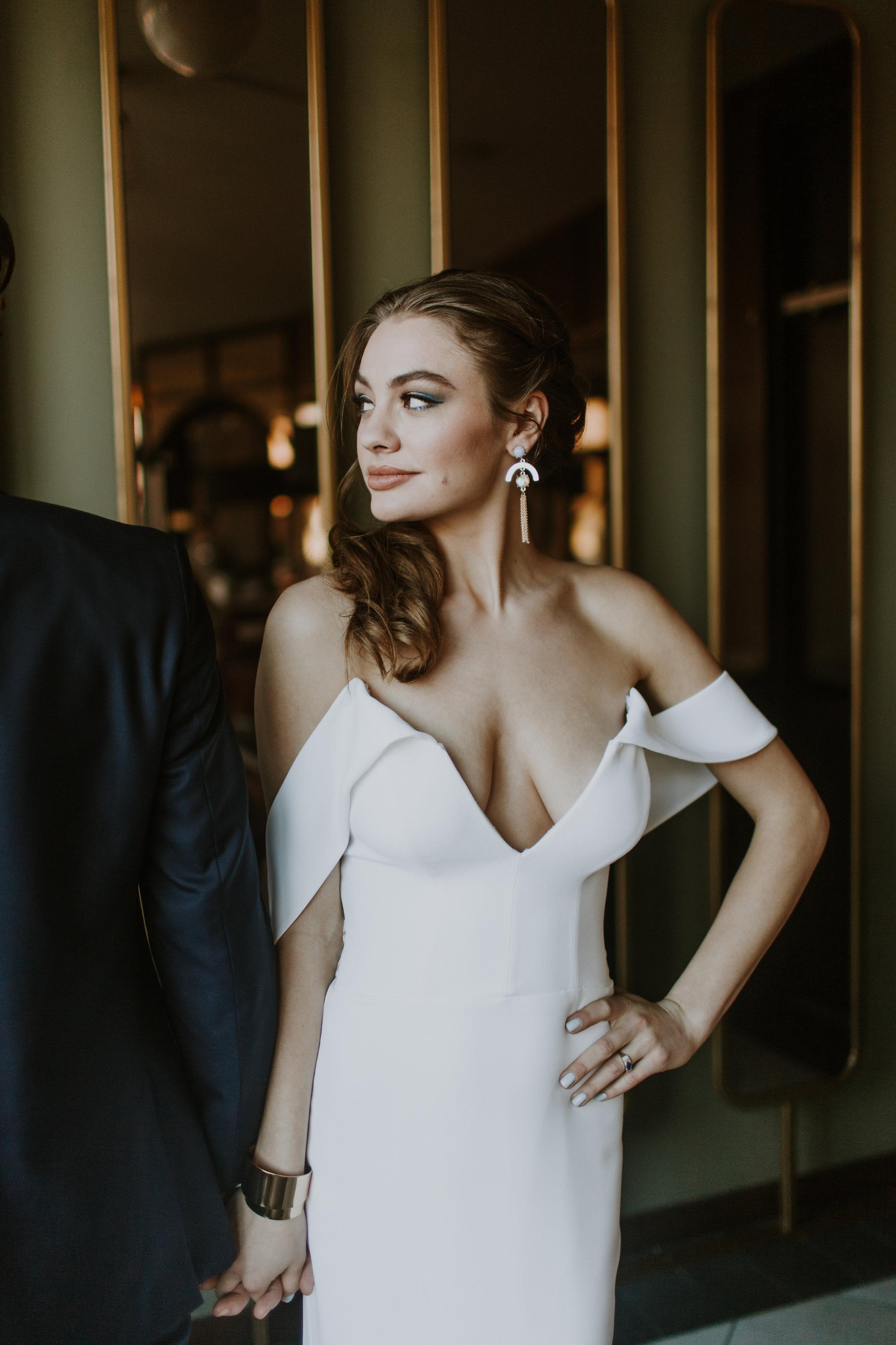 Low Cut Wedding Gown Chicago Wedding Gabrielle Daylor Photography
