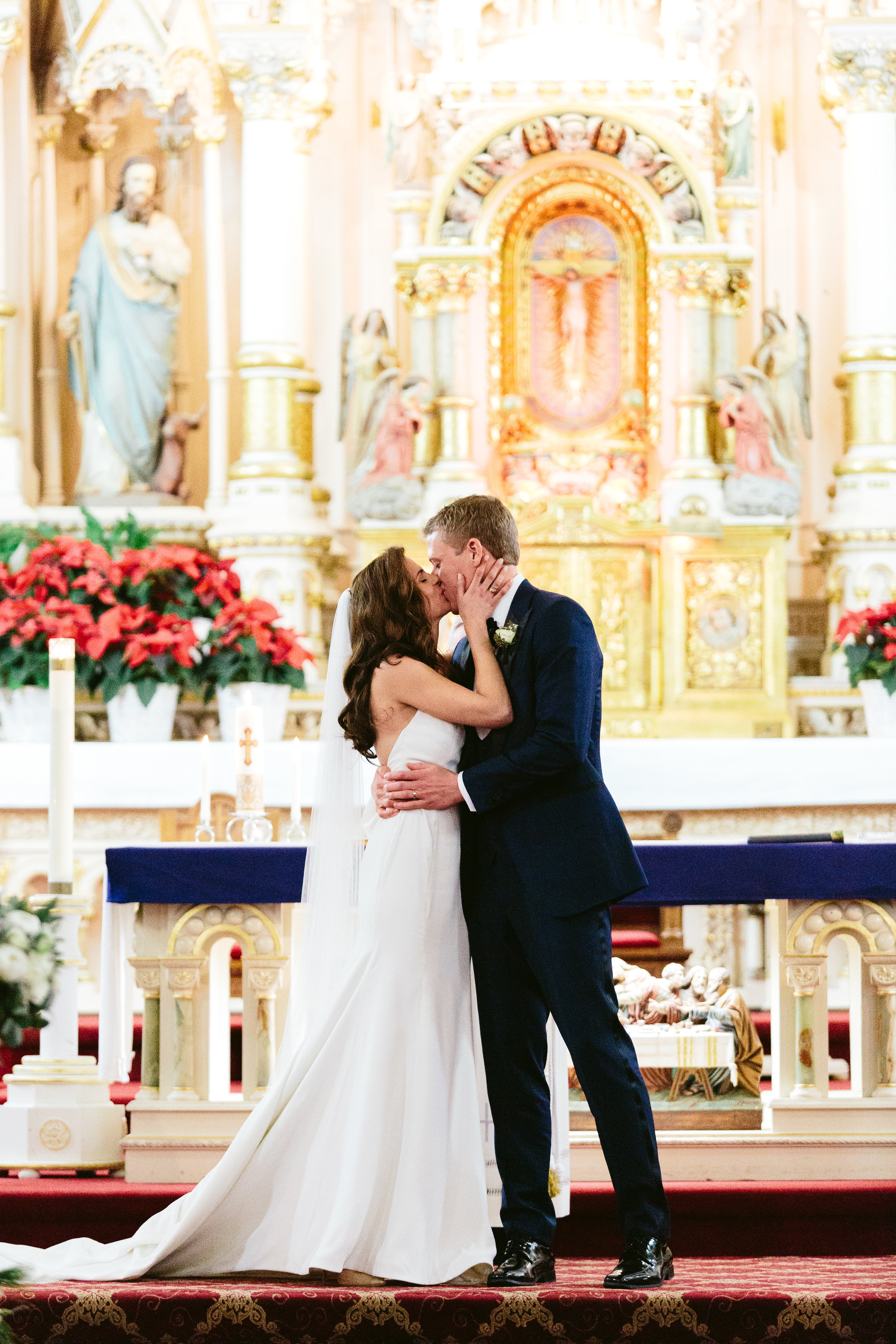 First Kiss St Michael Old Town Chicago Wedding Ceremony Nicodem Creative