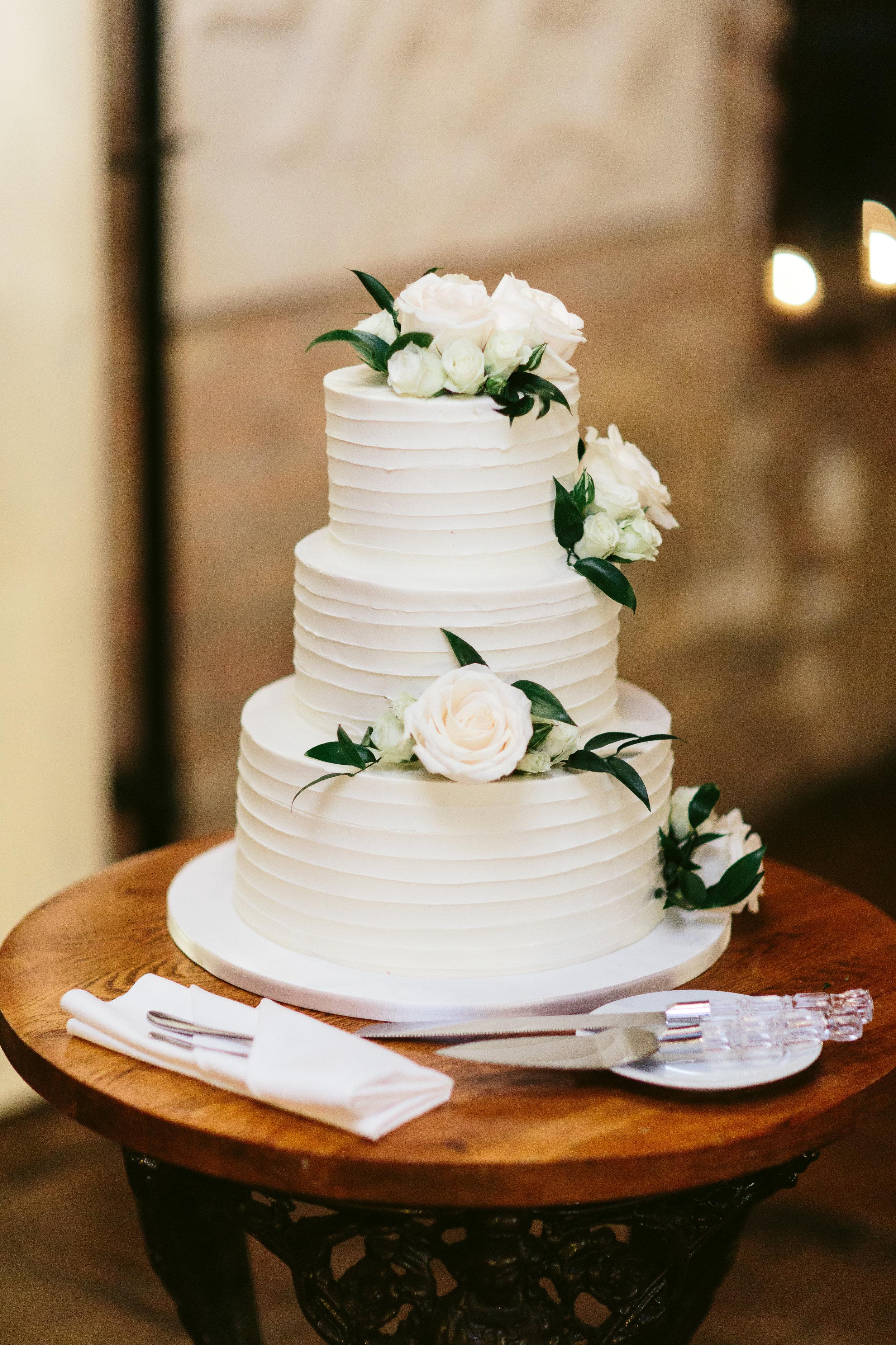 White Rose Wedding Cake Chicago Wedding Nicodem Creative