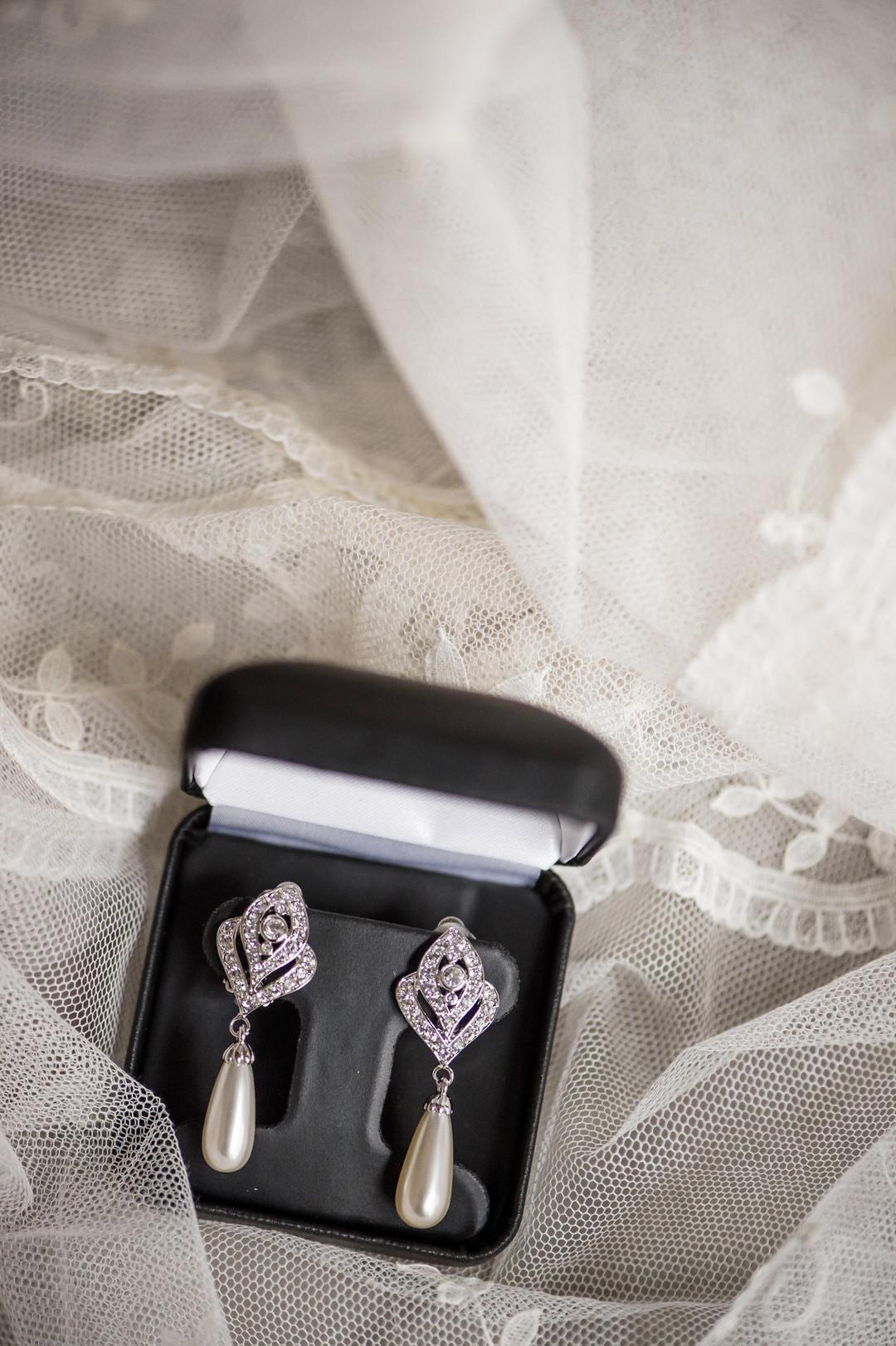 Vintage Bridal Earrings Chicago Wedding Julia Franzosa Photography