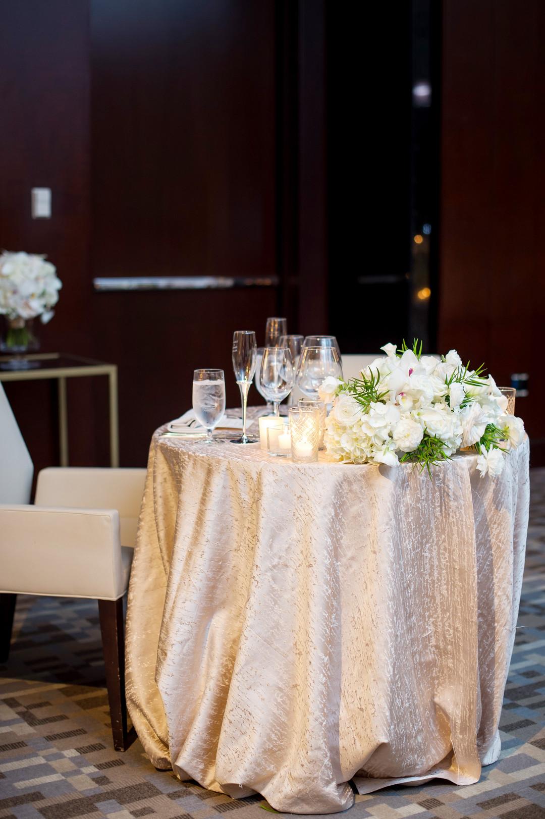Ivory Sweetheart Table Chicago Wedding Julia Franzosa Photography