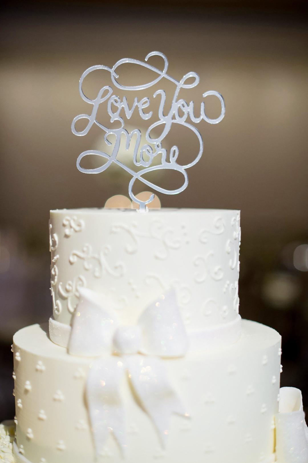 White Wedding Cake Elysia Root Cakes Julia Franzosa Photography