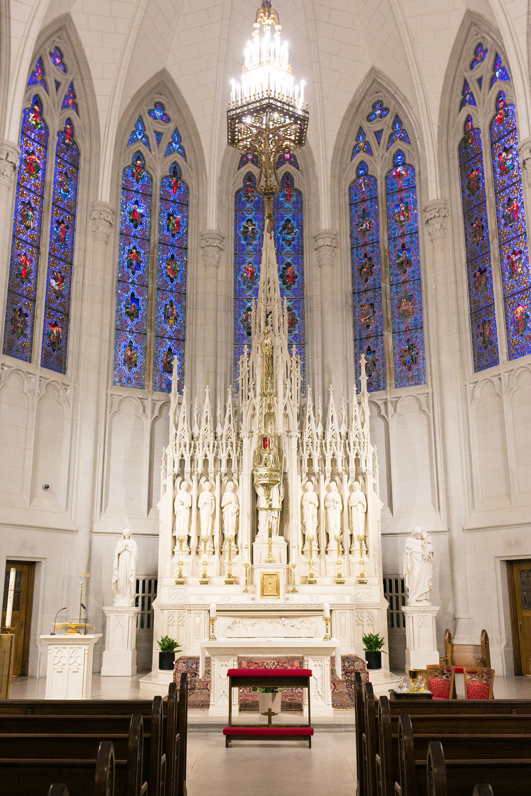Saint James Chapel Chicago Wedding Emilia Jane Photography