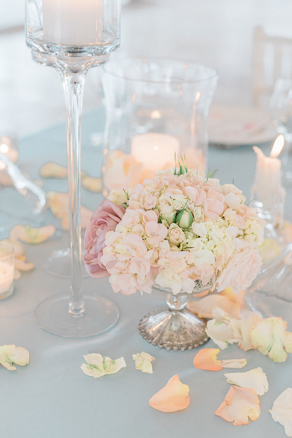 Springtime Elegance wedding styled shoot with pastel wedding colors at the Galleria Marchetti. See more spring wedding ideas at CHItheeWED.com!