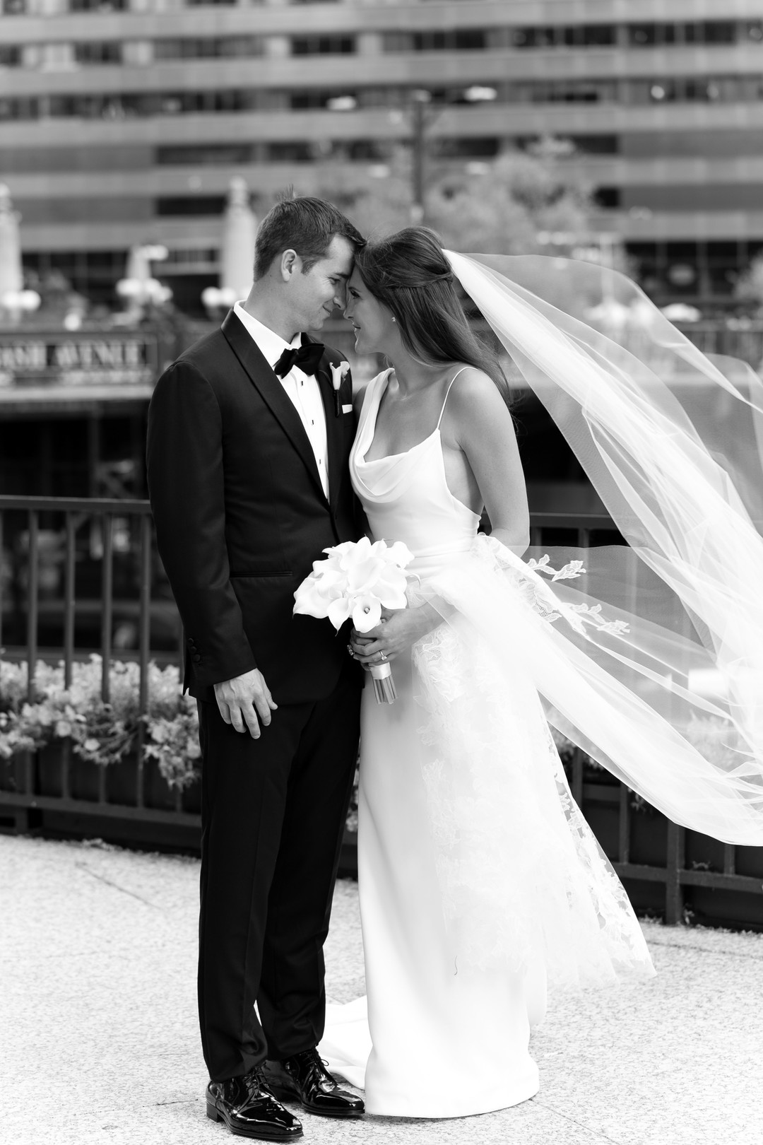 Iconic Chicago Wedding at The Art Institute of Chicago captured by Emilia Jane Photography. See more creative wedding ideas at CHItheeWED.com!