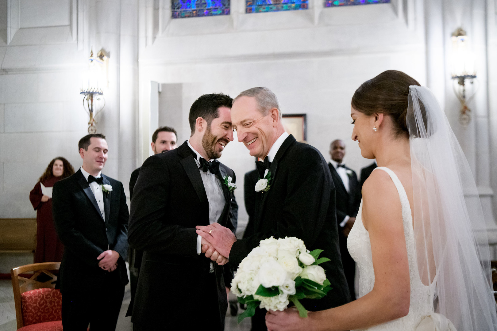 Romantic Chicago Fall Wedding at Union League Club of Chicago captured by Julia Franzosa Photography.