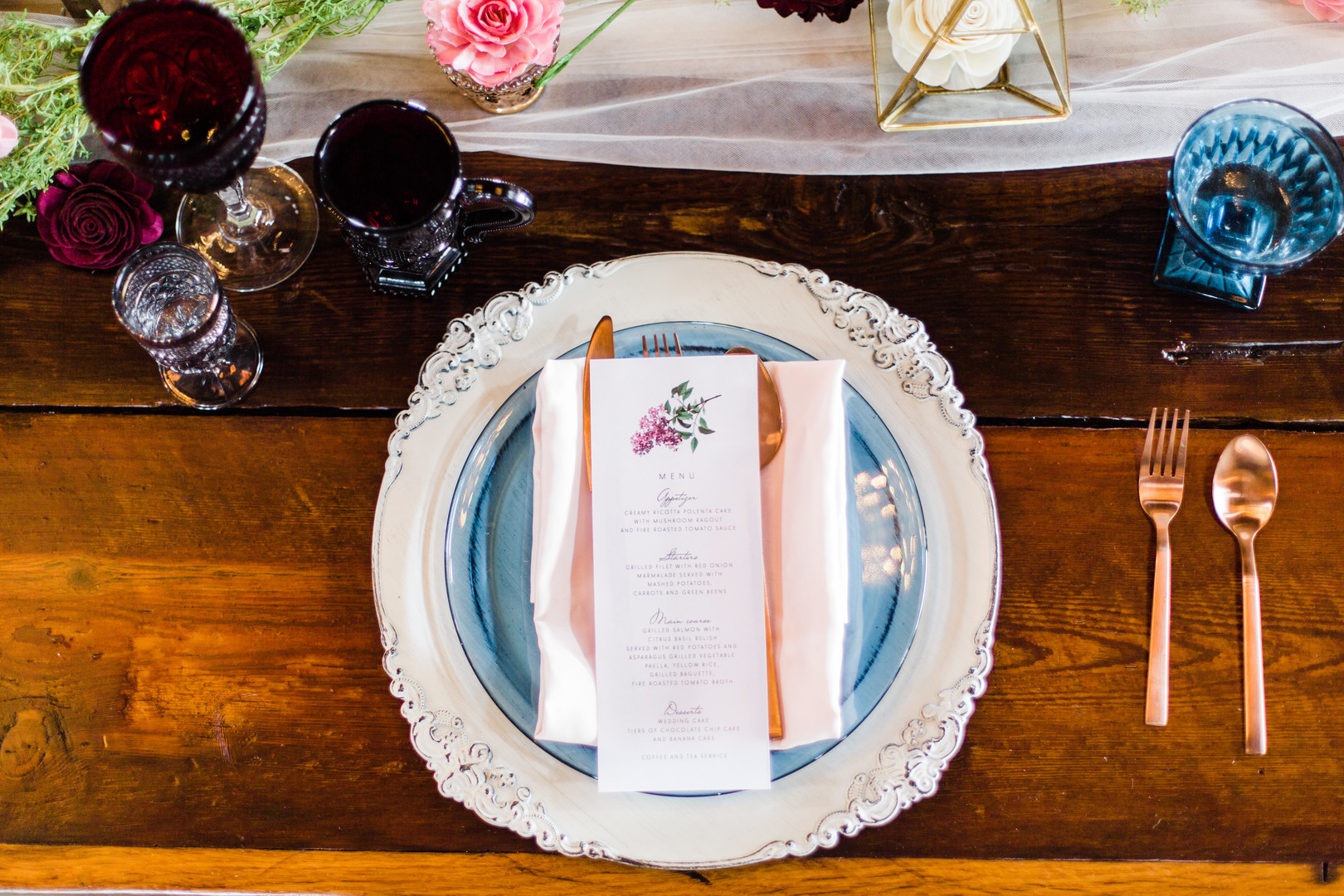 Barn wedding place setting: Rustic barn wedding inspiration captured by Grace Rios Photography. See more fall wedding ideas at CHItheeWED.com!