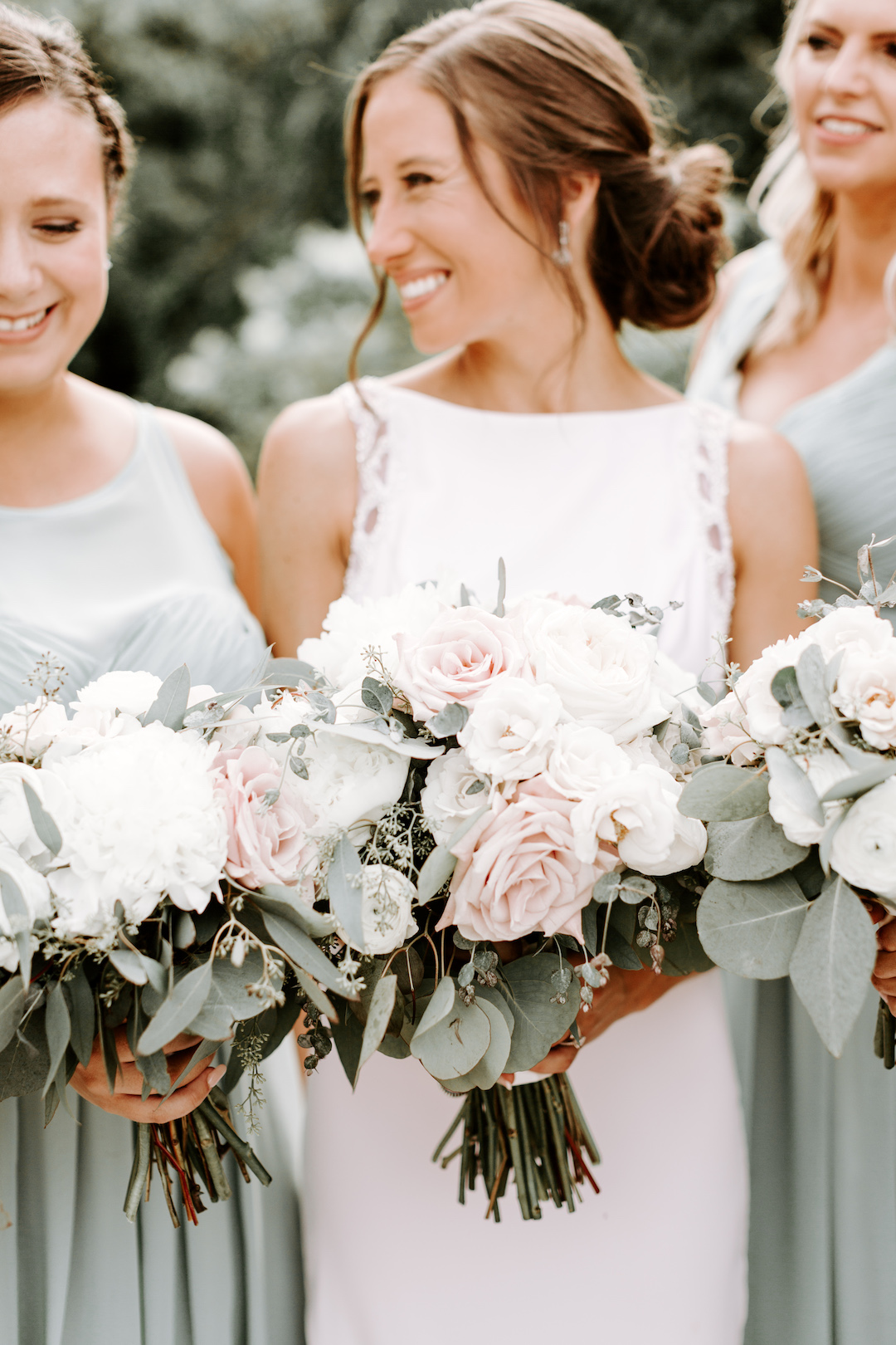 Pink and white wedding bouquets: Charming CD&ME outdoor wedding captured by Eiza Photography featured on CHI thee WED. Find more wedding inspiration at chitheewed.com!