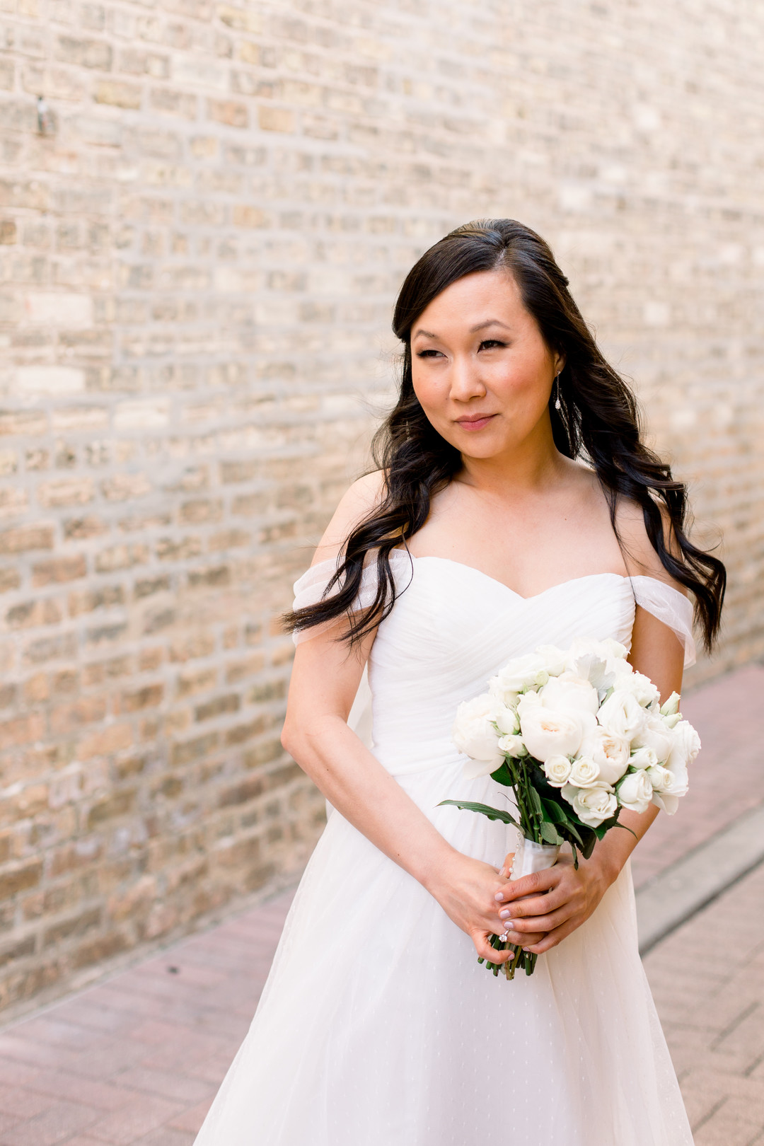 Bridal portrait: Spring wedding inspiration captured by Nicole Morisco Photography. Find more spring wedding ideas at CHItheeWED.com!