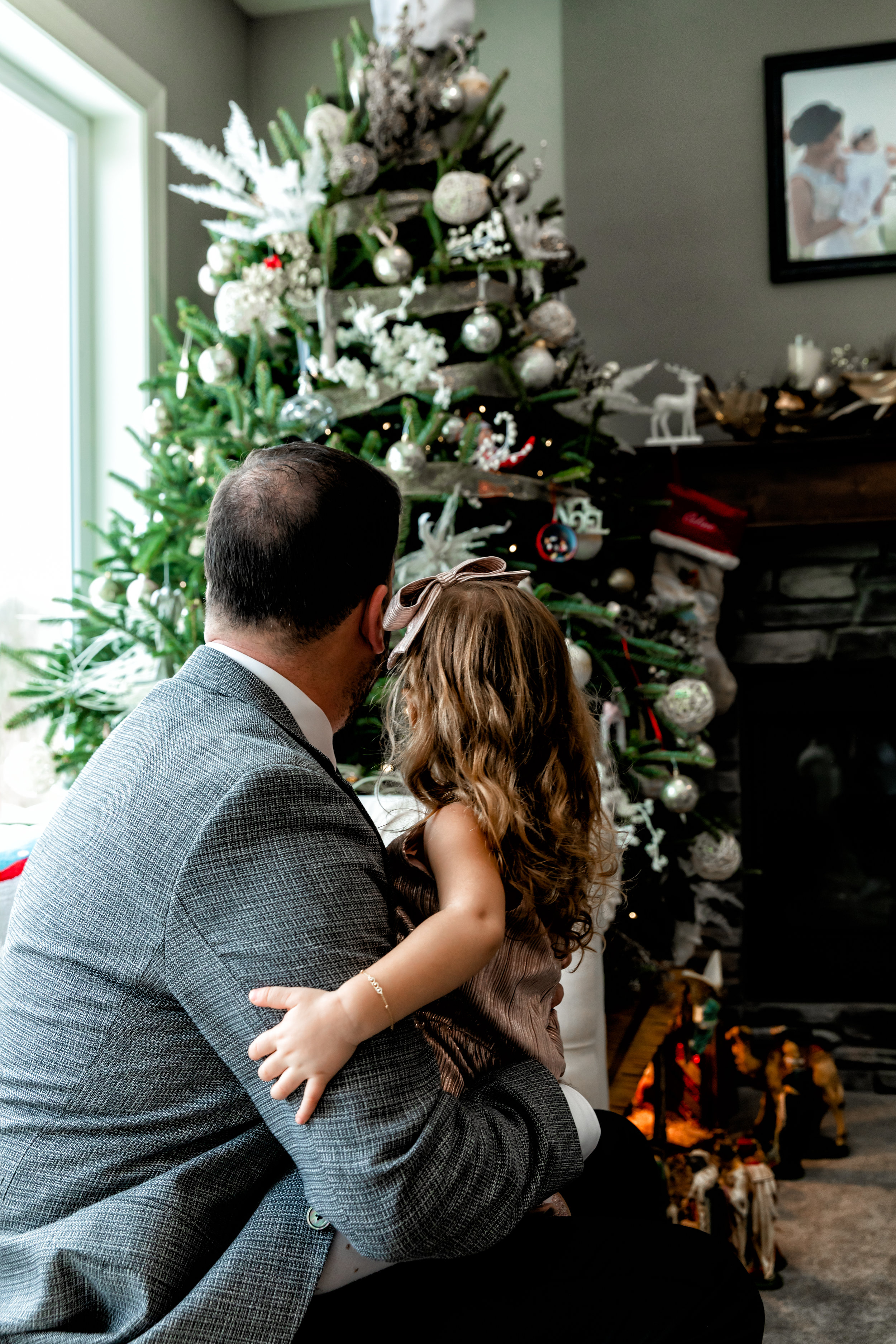 minnesota-in-home-family-photography-lifestyle-session-christmas-candid-children-photography-austin-minnesota