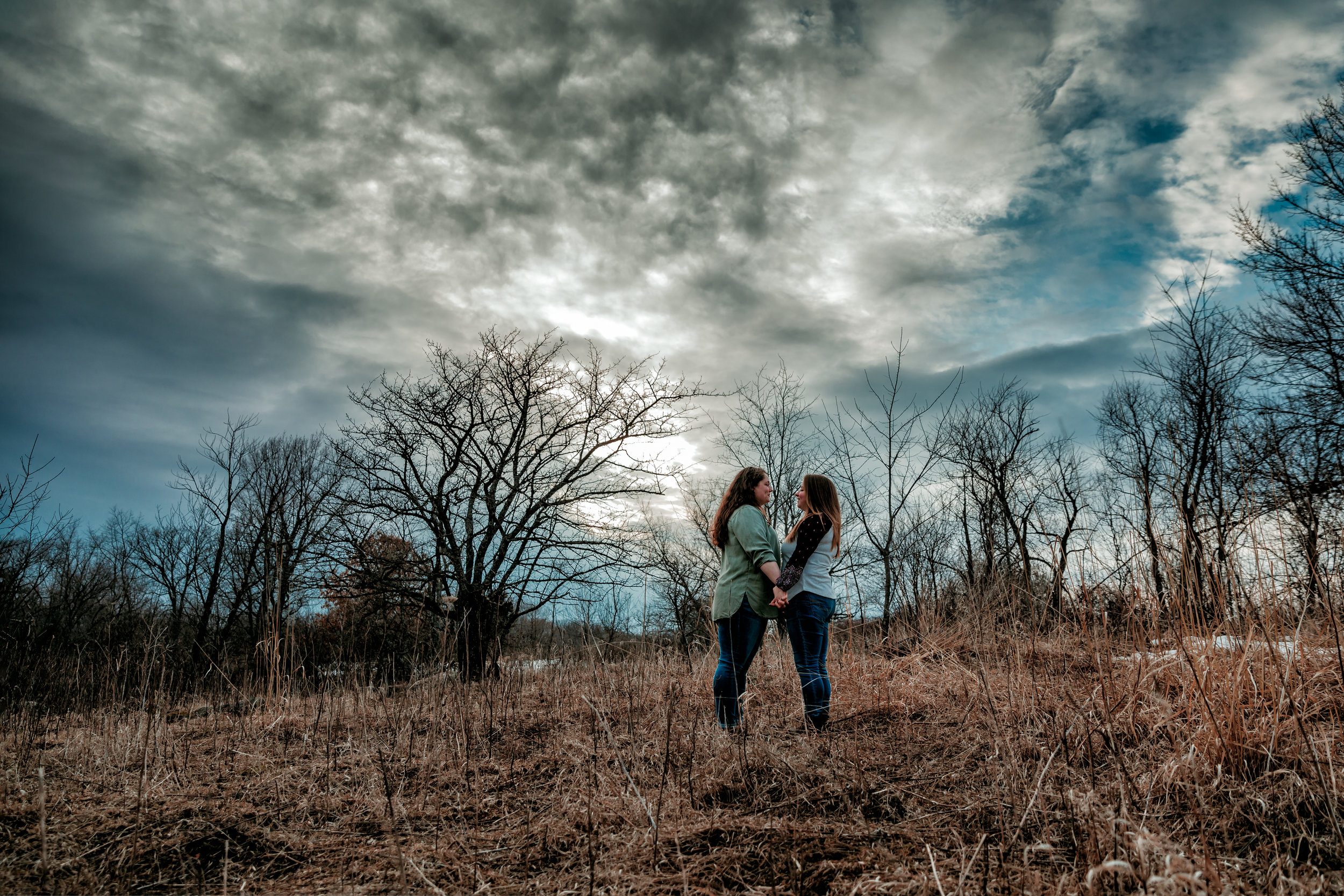 Engagement-photography-southern-Minnesota-Austin-Albert-lea-Rochester-owatonna-wedding-photography-outdoor-sunset
