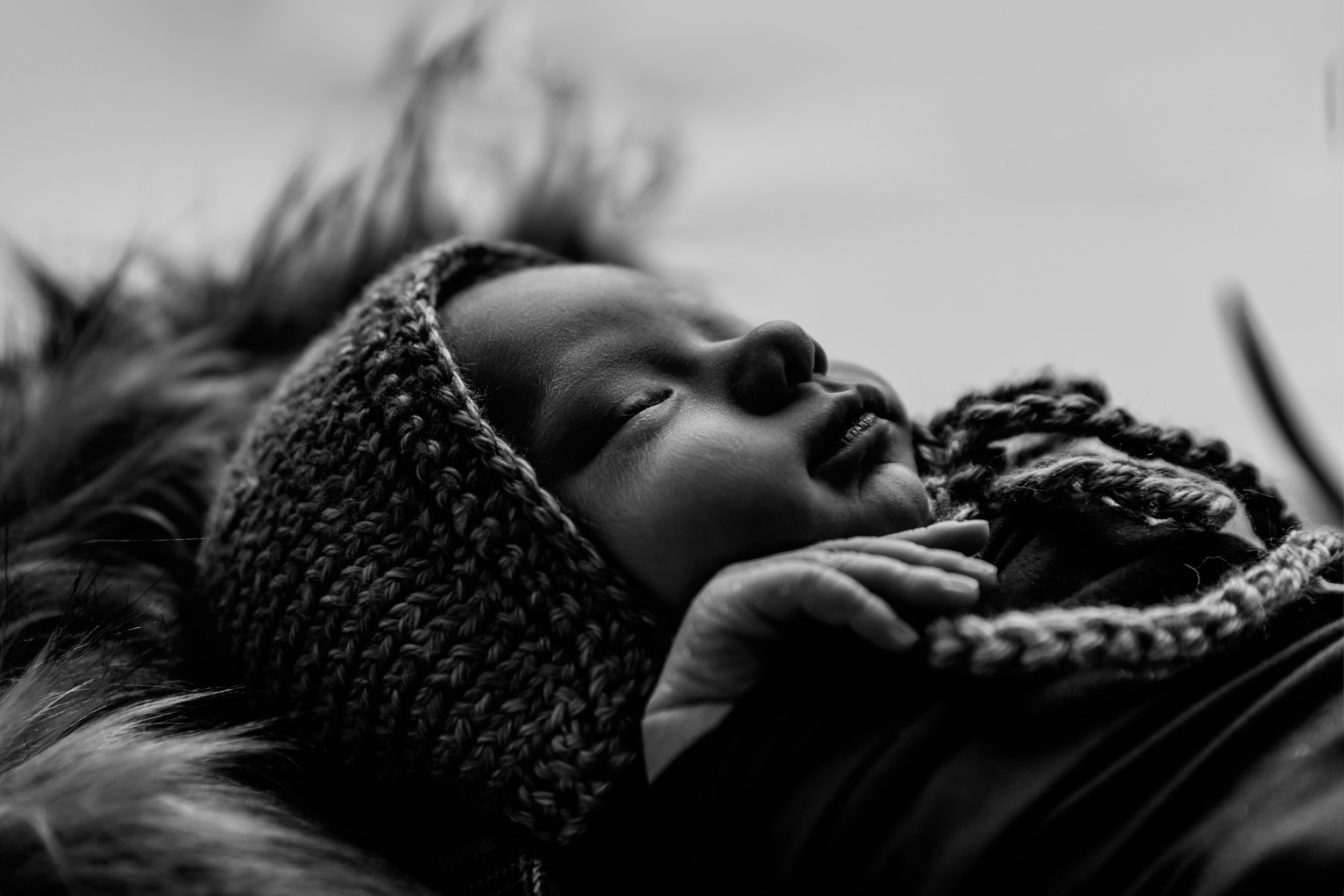 austin-mn-newborn-photography-rochester-mn-albert-lea-mn-family-photography-studio-modern-hunting-outdoors-black-and-white