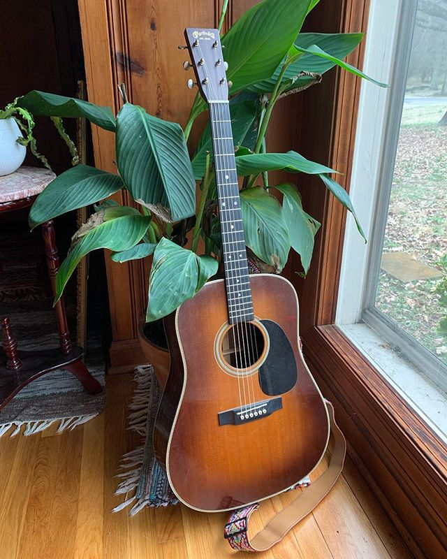 Flat Top Tuesday coming in nice and chill with my trusty @martinguitar HD-28 custom. Bought this around 10 years ago just before my move to Nashville. I don't get to play it out much but it'll be with me this Friday @helpingmusic for the Nashville Rescue Shelter benefit. Stacked lineup for a good cause! 7pm all ages