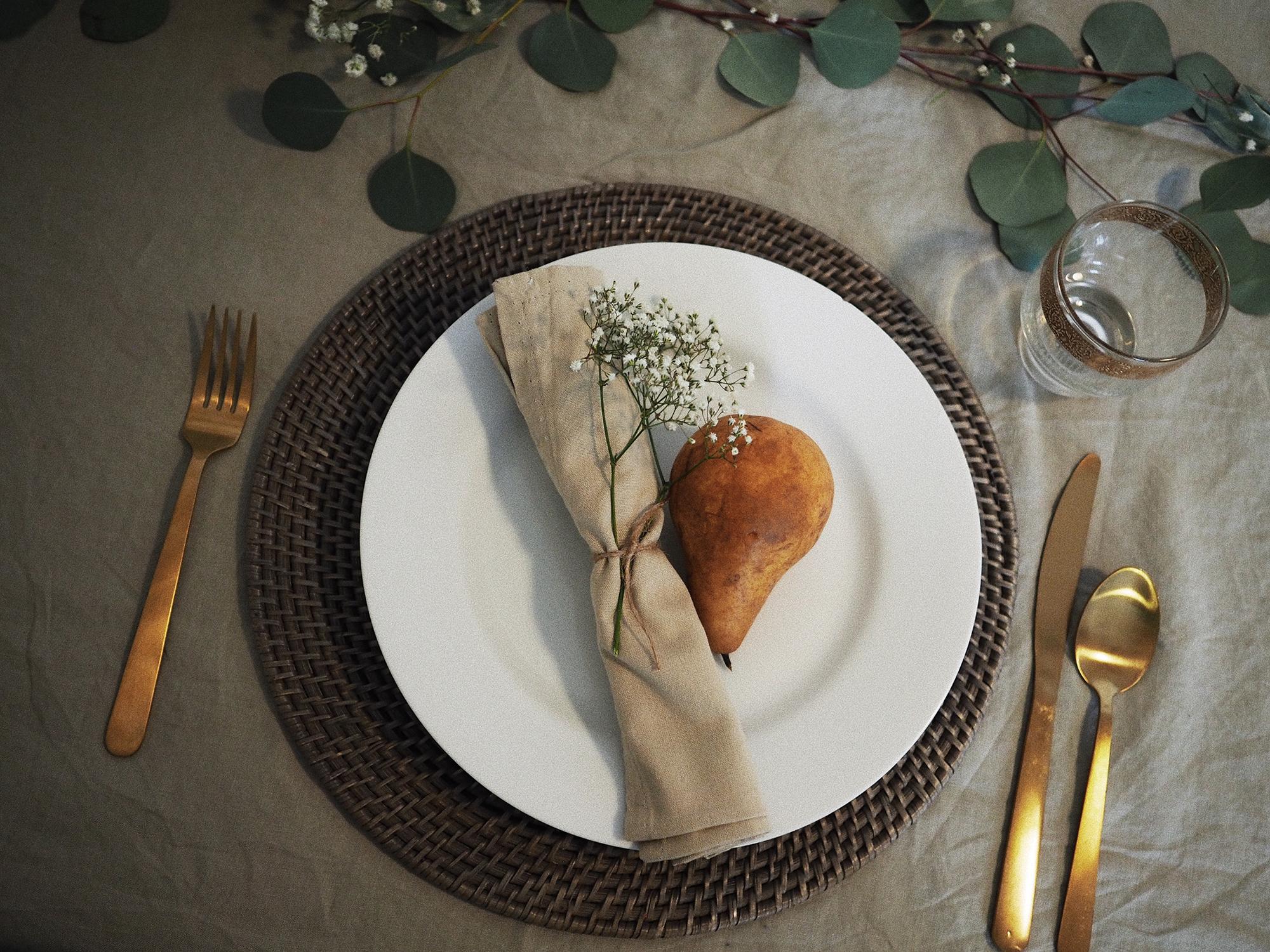 Christmas_table_2.jpg