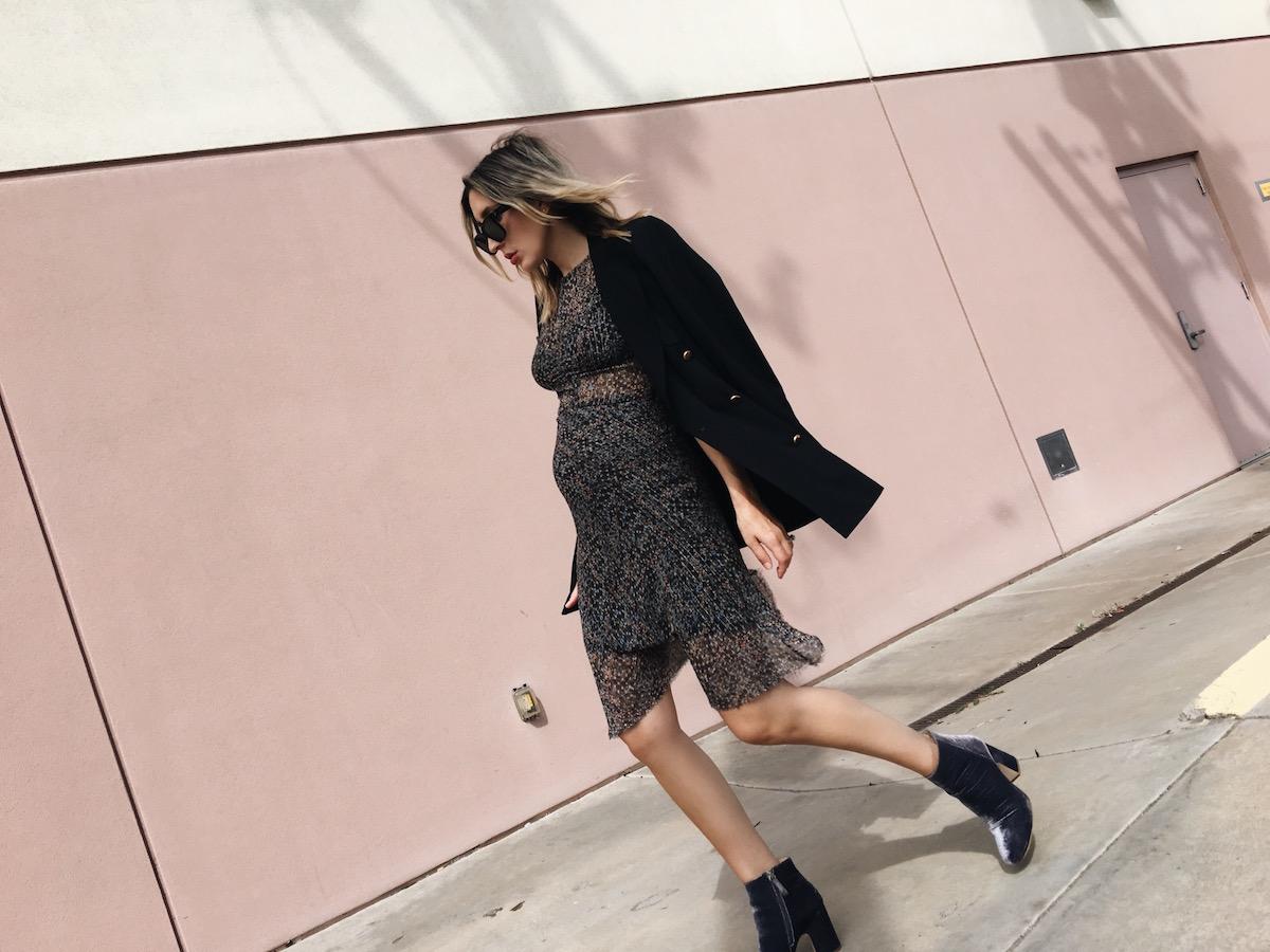 the-fashion-sight-angela-fink-maternity-style-blazer-1.jpg