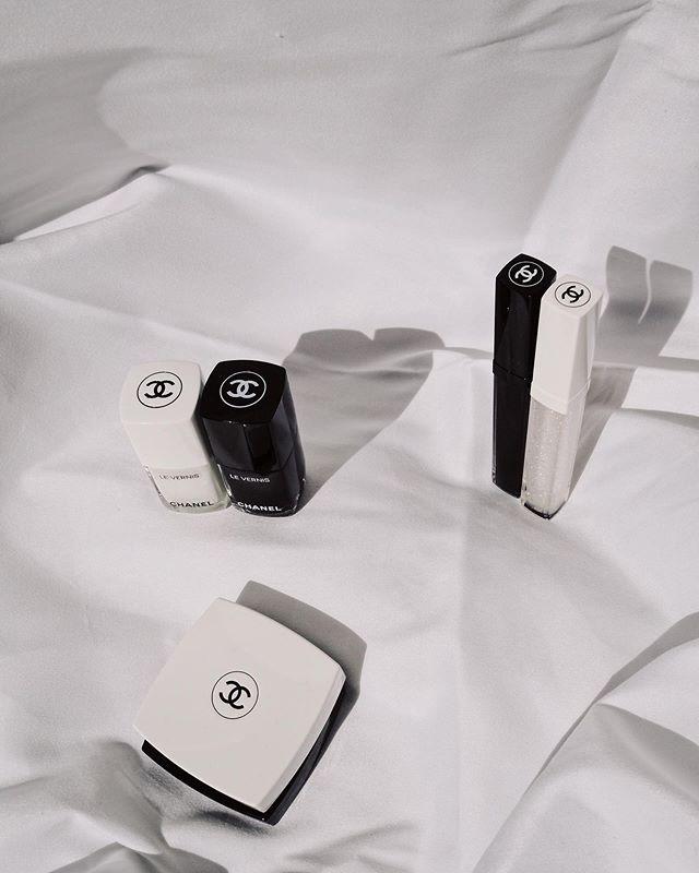 Noir et blanc de @chanel.beauty #createyourself #workingwithchanel