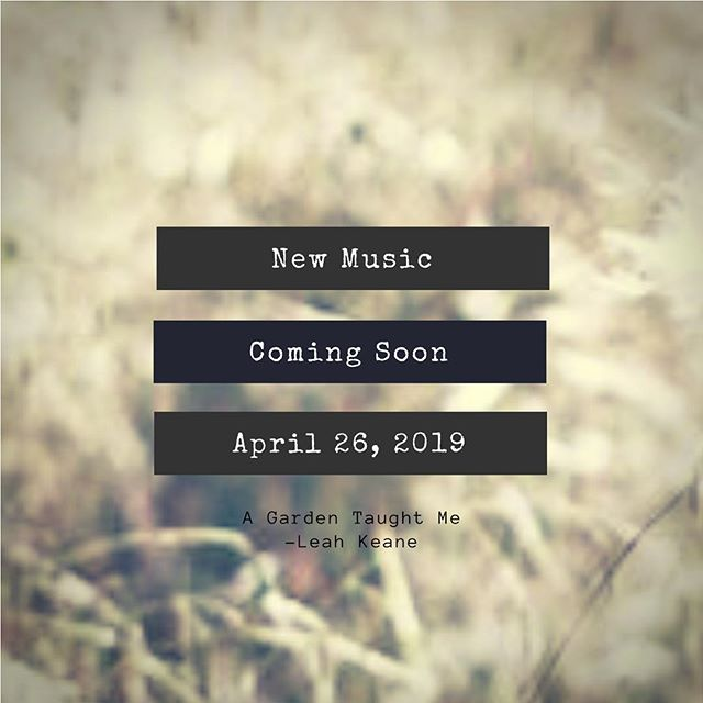 How about a Spring Release 🤔... Stay tuned folks! New single coming soon ❤️🌼 🎶  #sing#newmusic#newmusicrelease#singersongwriter#singersofinstagram#music#folk#popfolk#folkartist#guitar#ukulele#singer#leahkeane#leahkeanemusic#sandiegomusic#sandiegosinger#originalmusic#comingsoon#newmusicreleases