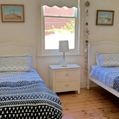 Bedroom 3 - 2 single beds