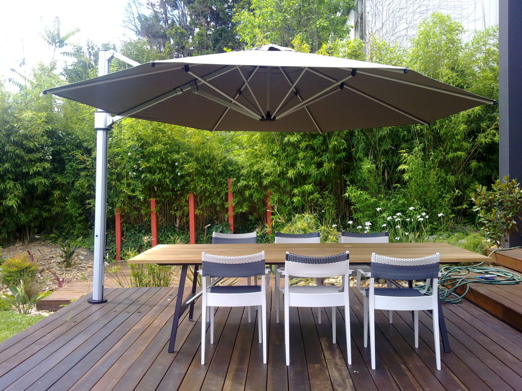4m-Eclipse-on-deck-over-table-setting-2-1024x768.jpg