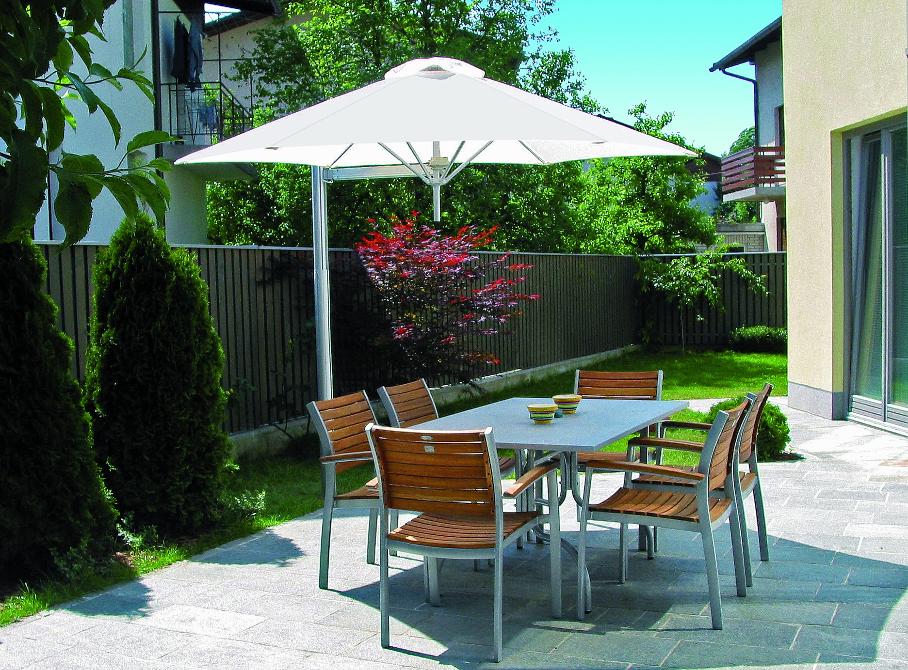 Paraflex-Pole-Mount-umbrella.jpg
