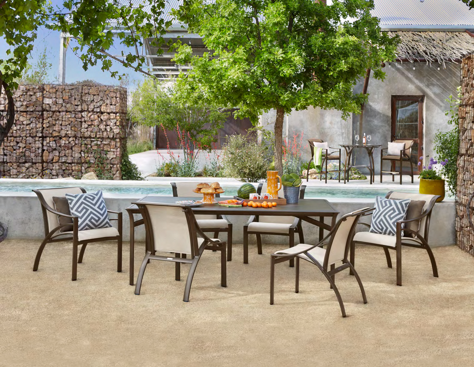 Pasadena_Sling_Dining.jpg