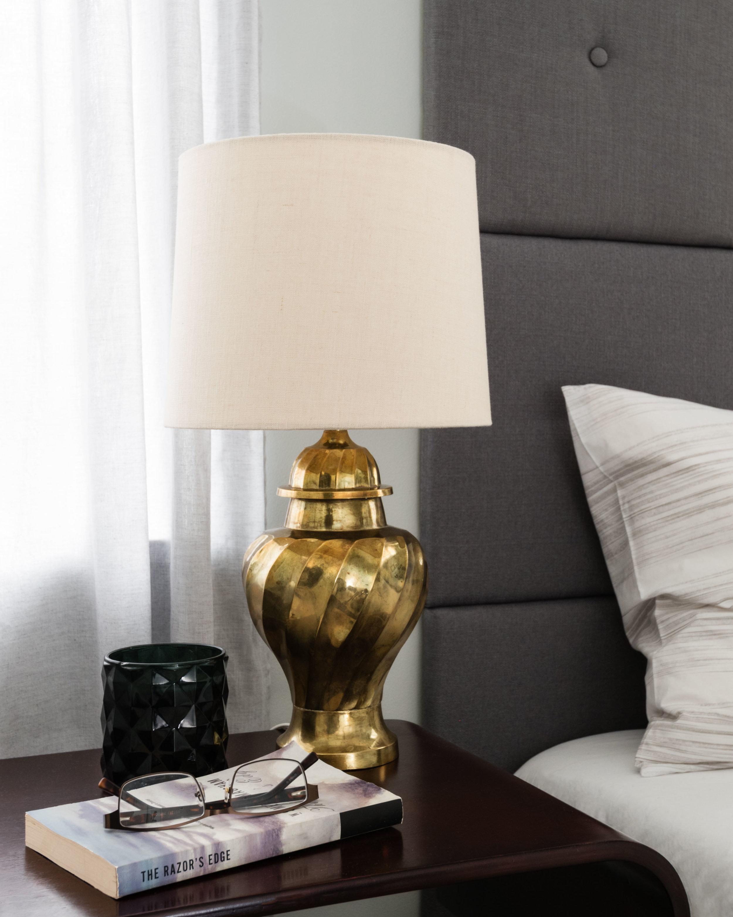 modern-bedroom-decorating.jpg