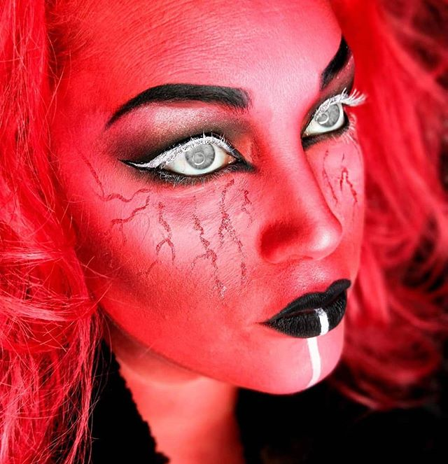 Halloween is not far away now and bookings are filling fast! I still have a few times left on both weekends either side of Halloween, so get in contact today to book your Halloween horror makeup!! Makeup by Dianne (Eyes have been edited with an app)🕸️🎃🦇🕸️🎃🦇🕸️🎃🦇 #halloween #goth #gothgirl #halloweenmakeup #halloweenglam #makeup #makeupartist #hmua #promakeup #makeupguru #makeupaddict #makeuponpoint #makeuponfleek #sydney #Australia #mualife #makeuplife