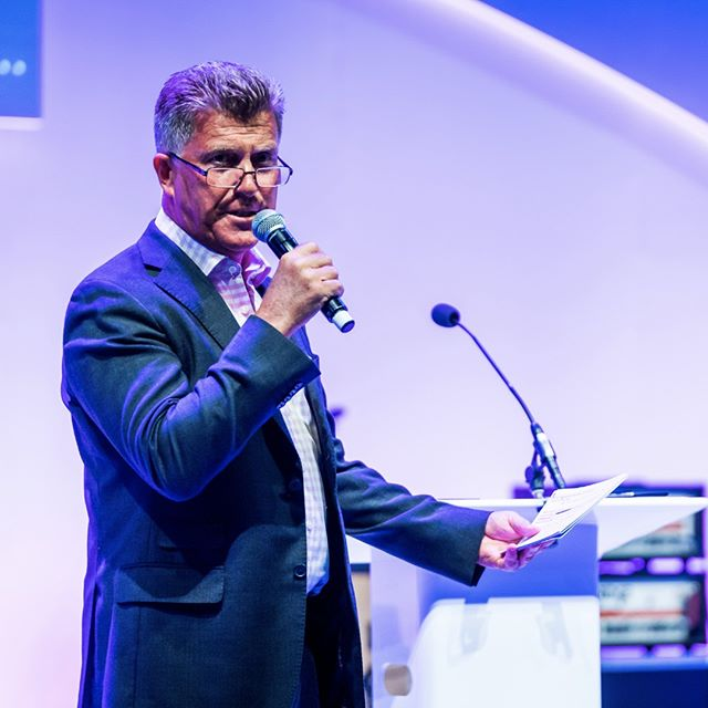 We work with some of the UK's top auctioneers, including in legendary Johnny Gould.  Having a professional auctioneer at your live auction can mean the difference between fundraising and FUNDraising! See link in bio for more information! #fundraising #chairtyauction #auction