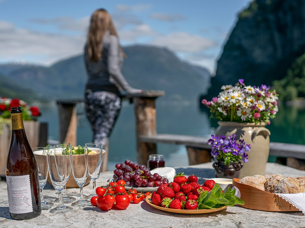 Guided Fjord cycling -