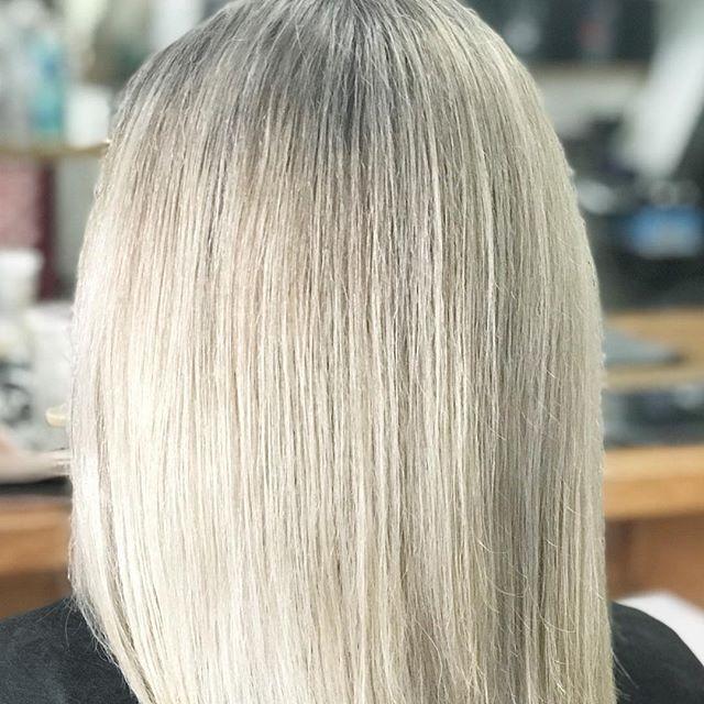 BLONDES can be like DIAMONDS 💎 Shiny 💎 Sparkly 💎AND 💎 Stunning 💎 #blondeobsession #justlikediamonds #beforeandafter #blondesofinstagram #instablondes #blondebeauty #hairspecialist #blondespecialists #keuneblondes @keuneanz @keunehaircosmetics