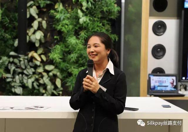 作为本次晚会的协办方,Silkpay首席执行官Annie Guo在晚会上发言